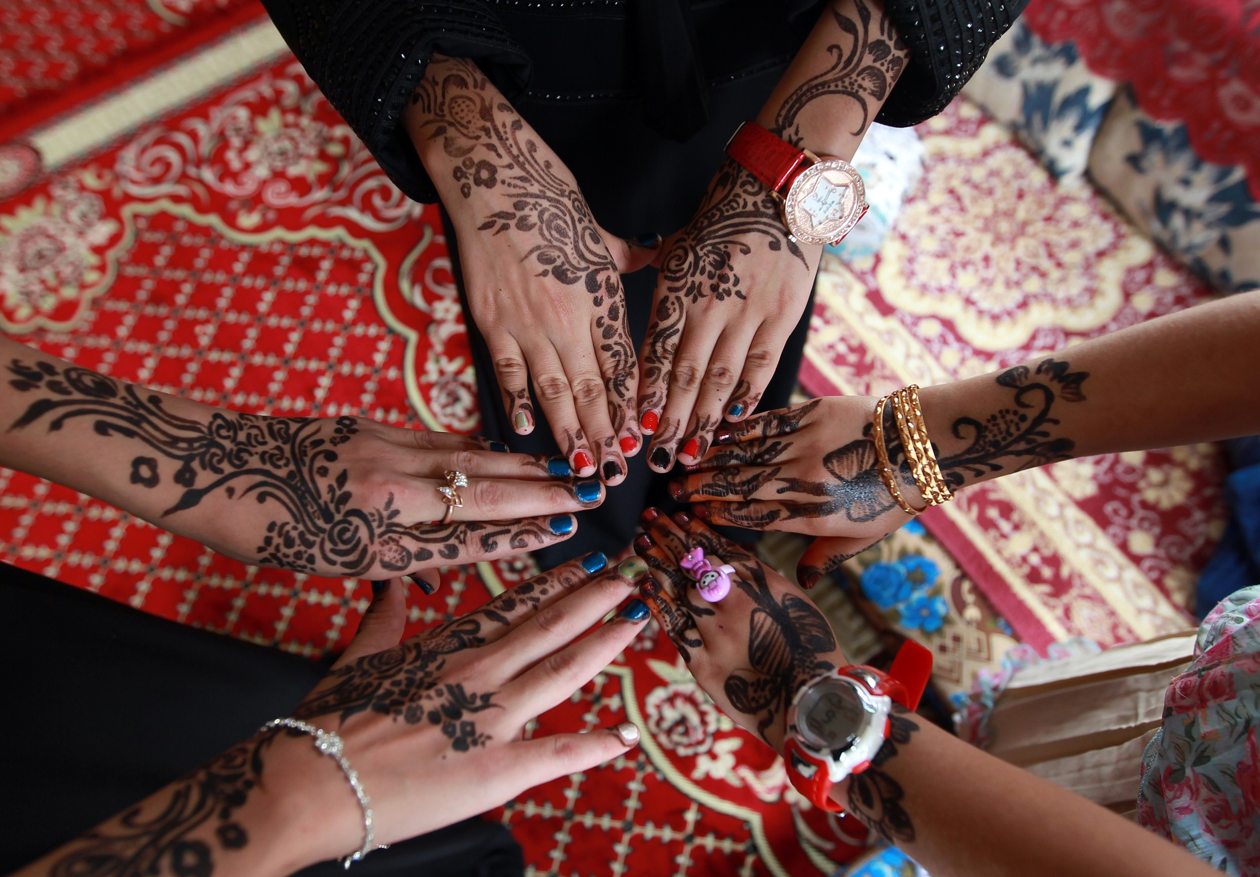 b8a743272 10 Photos That Will Totally Make You Want To Get A Henna Tattoo This Summerx