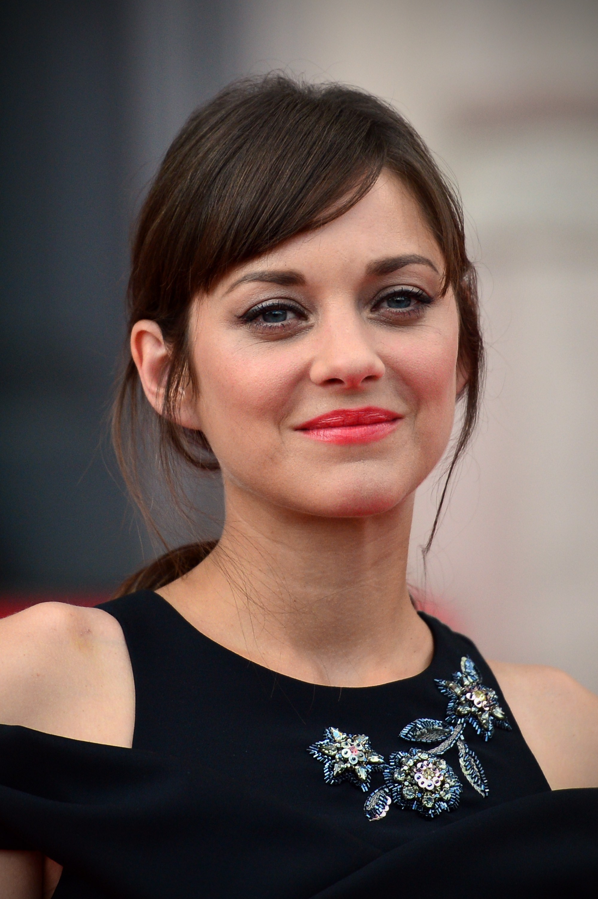 Marion Cotillard Wears Polka-Dotted Dior On The Oscars Red ...