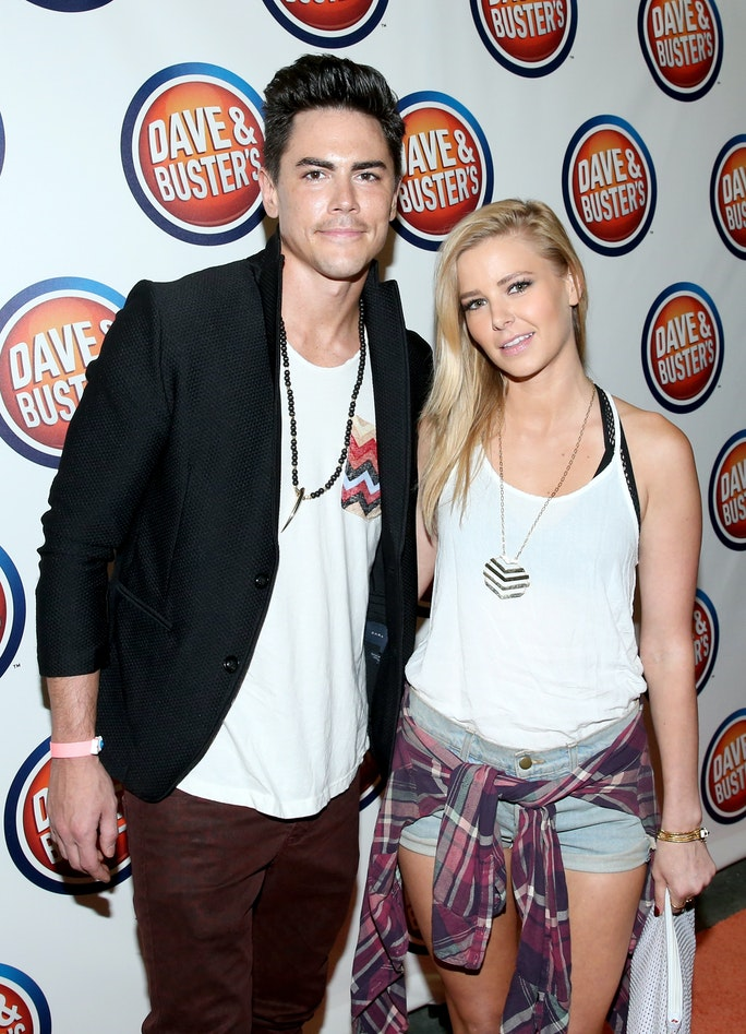 is tom from vanderpump rules dating ariana Last week on the vanderpump rules season 2 reunion on bravo, tom sandoval and ariana madix revealed that they are now dating after the season 2 finale.