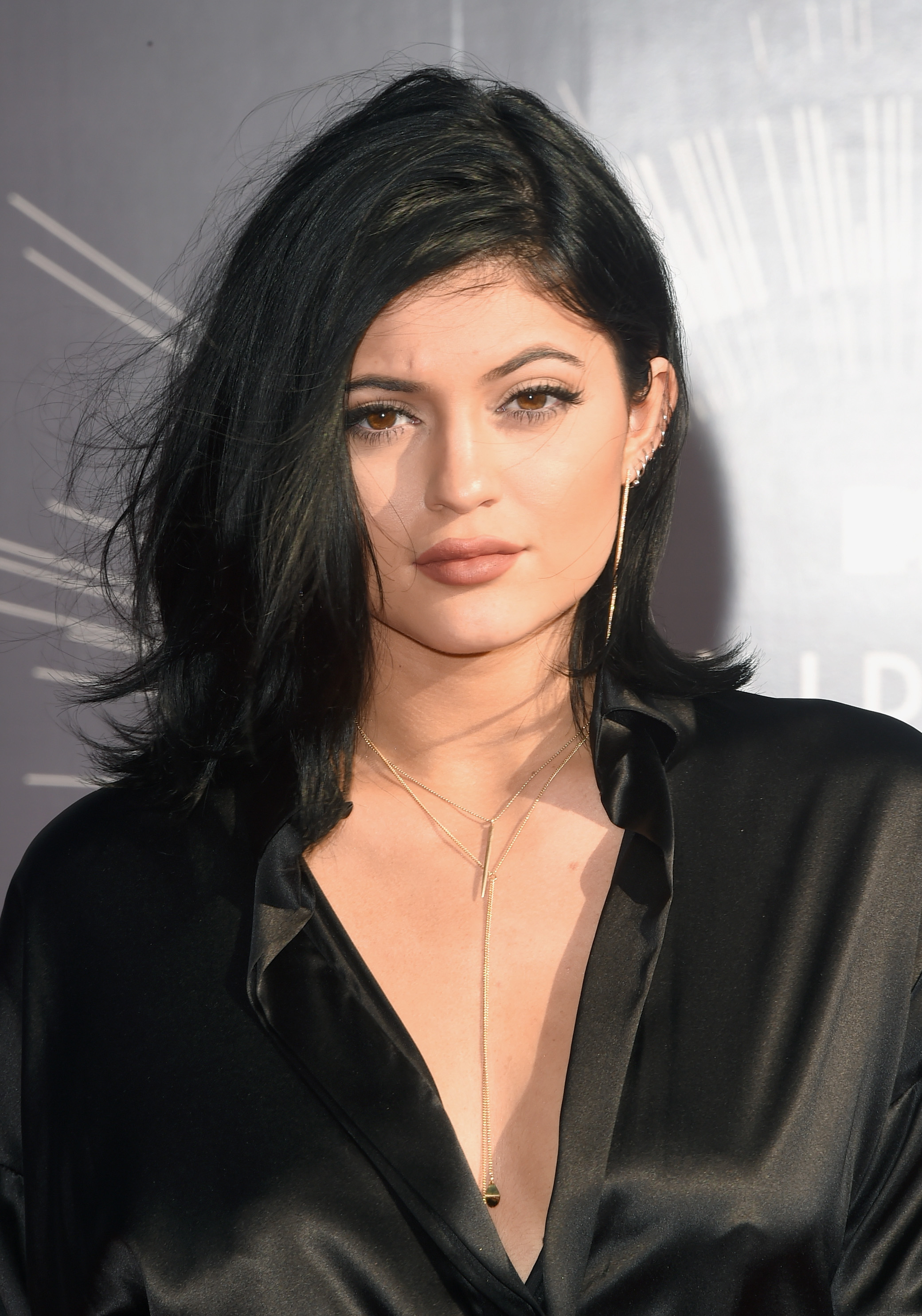 12 Kylie Jenner Outfits For Less That Prove Her High End Style Is