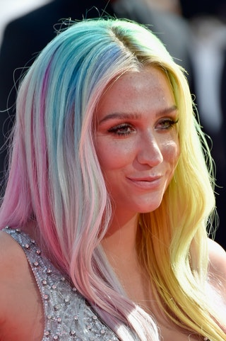 Jemima Kirke Dyes Hair Pink Like Perfect Cotton Candy So
