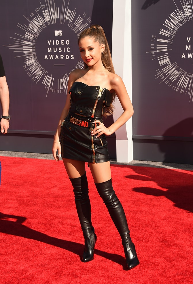 How To Dress Like Ariana Grande 6 Of Her Best Looks To
