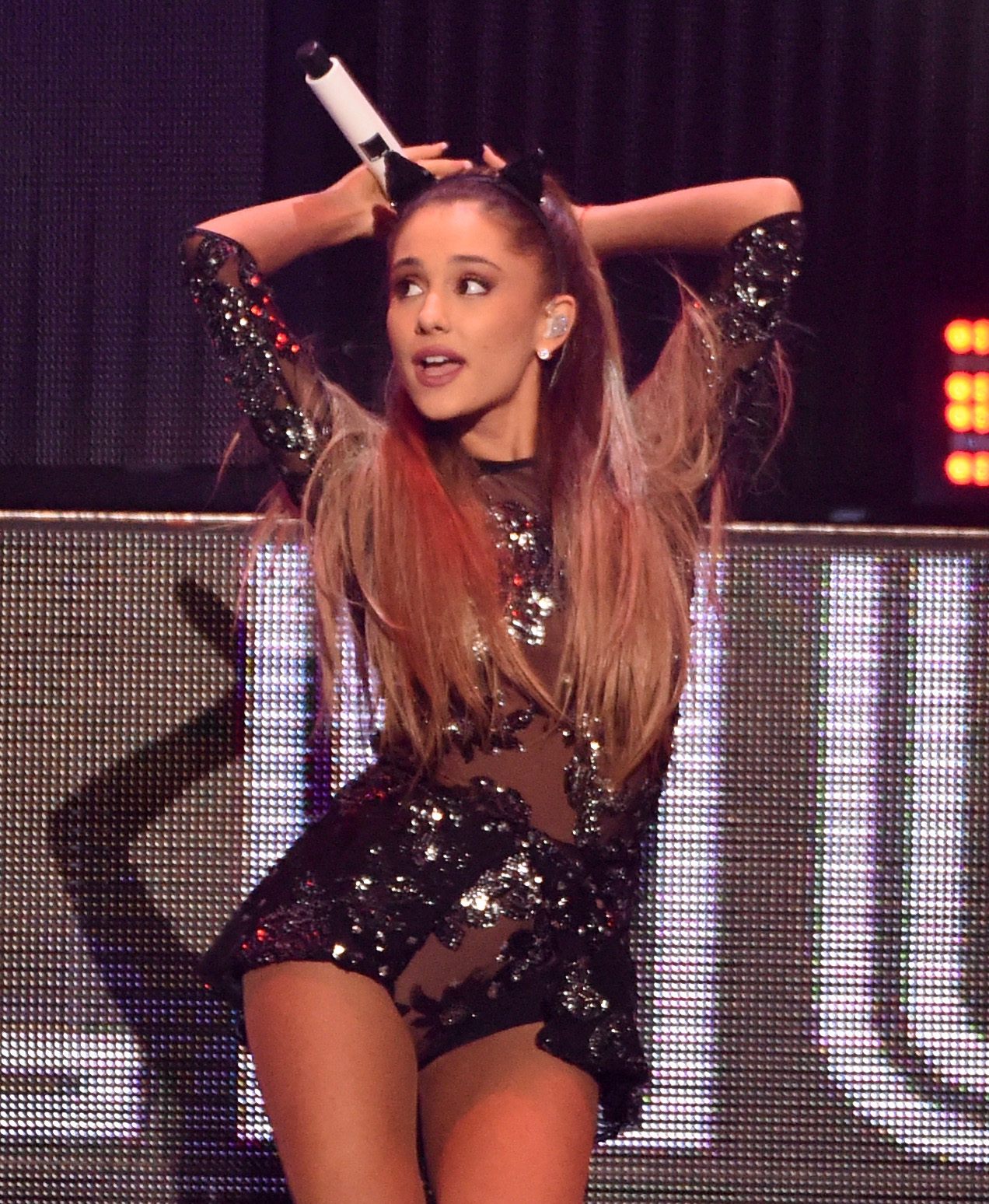 Ariana Grande Shows Her Down Under While Performing Down Under naked (99 images)