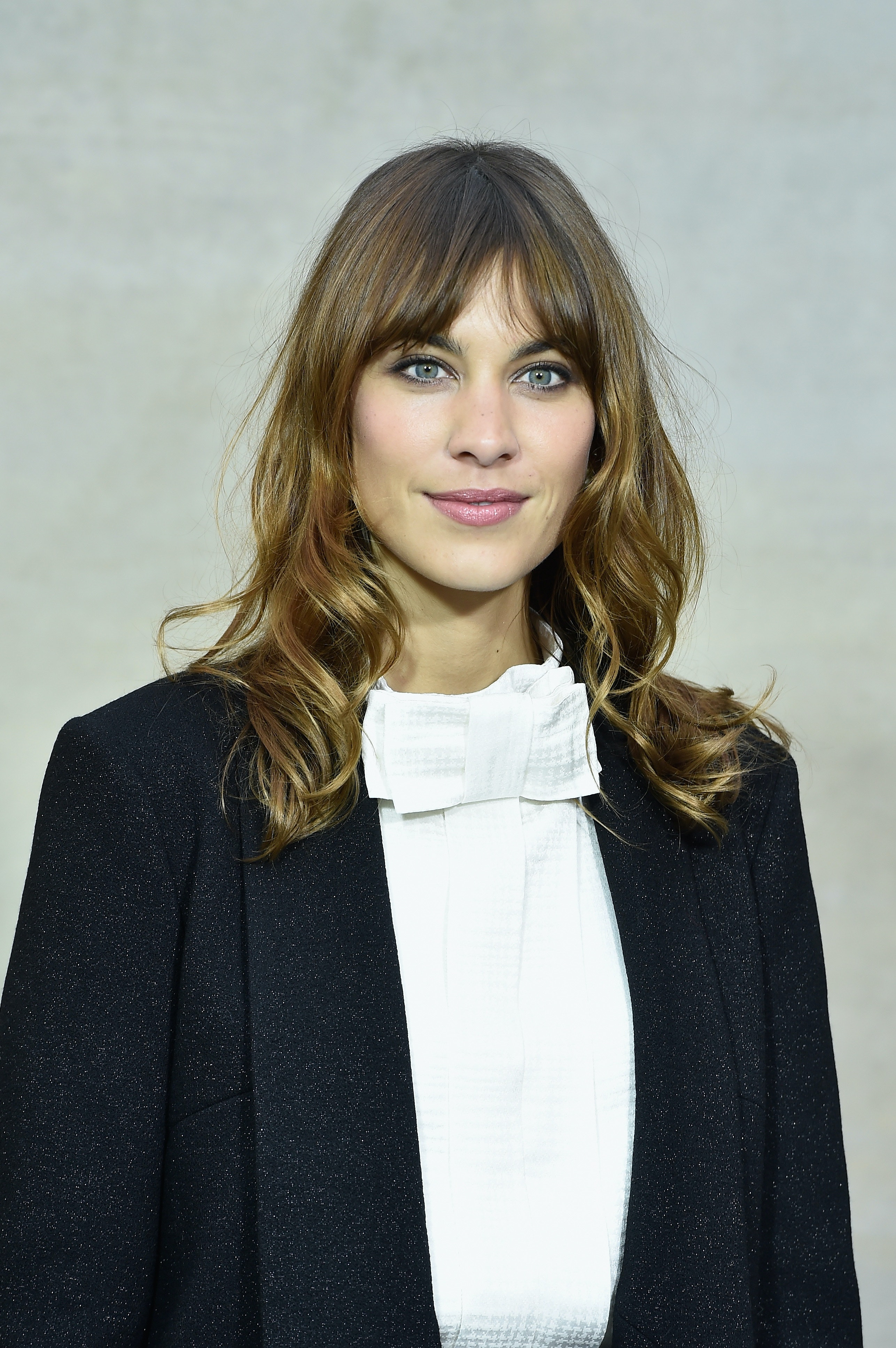 Graduation Hairstyles For Bangs That Will Still Look Adorable Under Your Cap Video