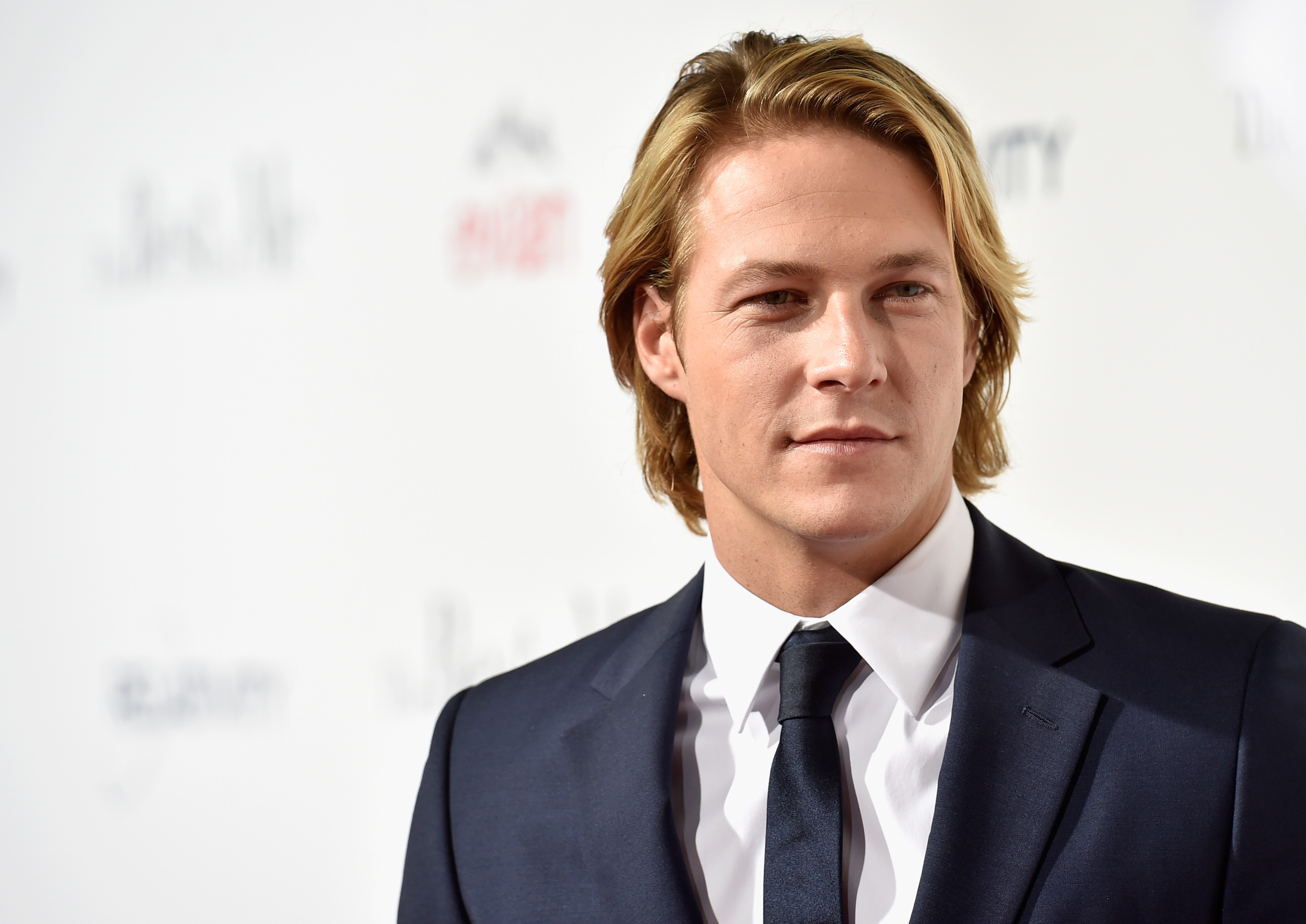 Who Is Luke Bracey The Point Break Remake Star Is Poised To Become A Household Name