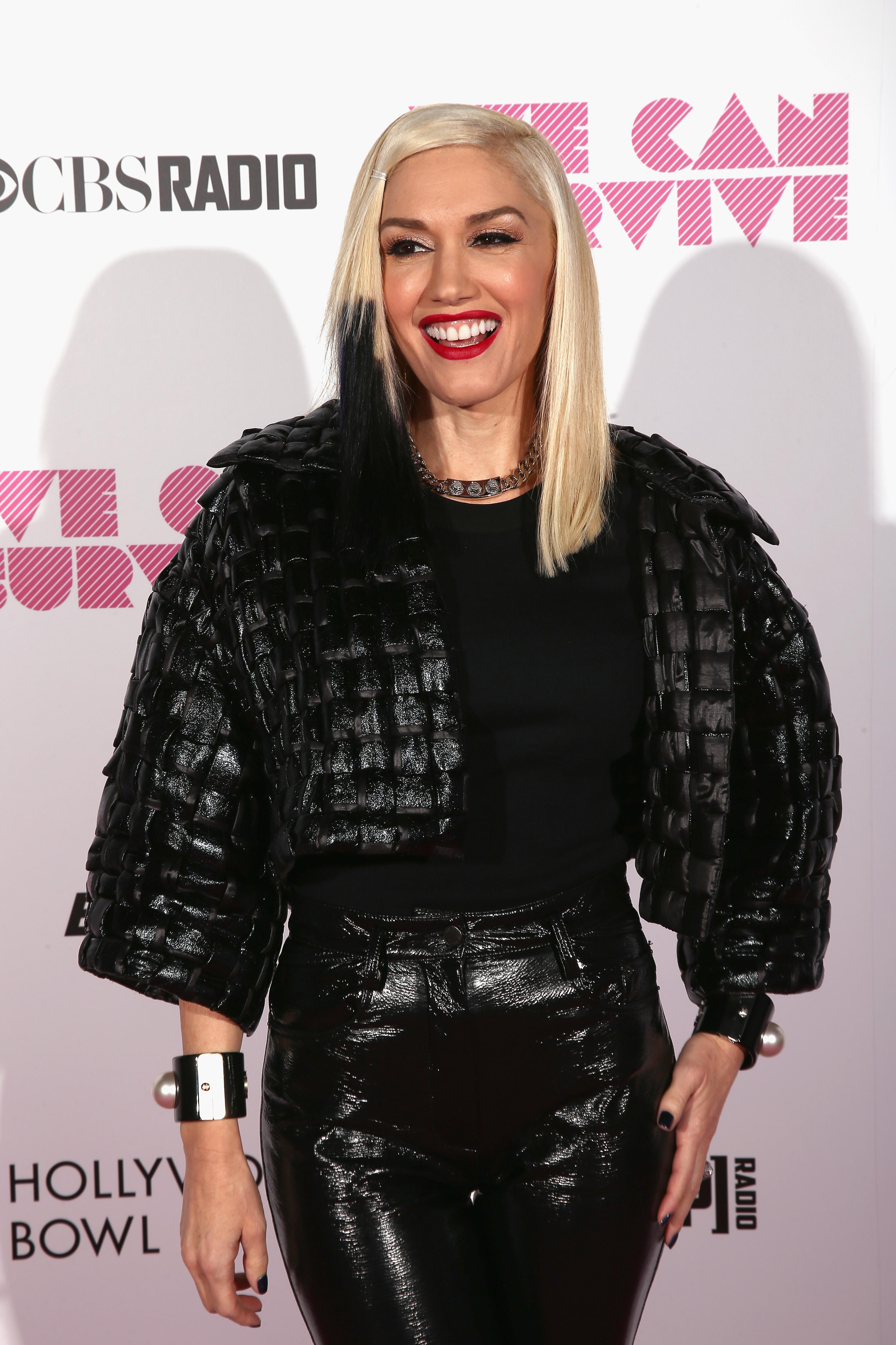 Gwen Stefani\'s Sons Wear Nail Polish, Can You Believe It?!