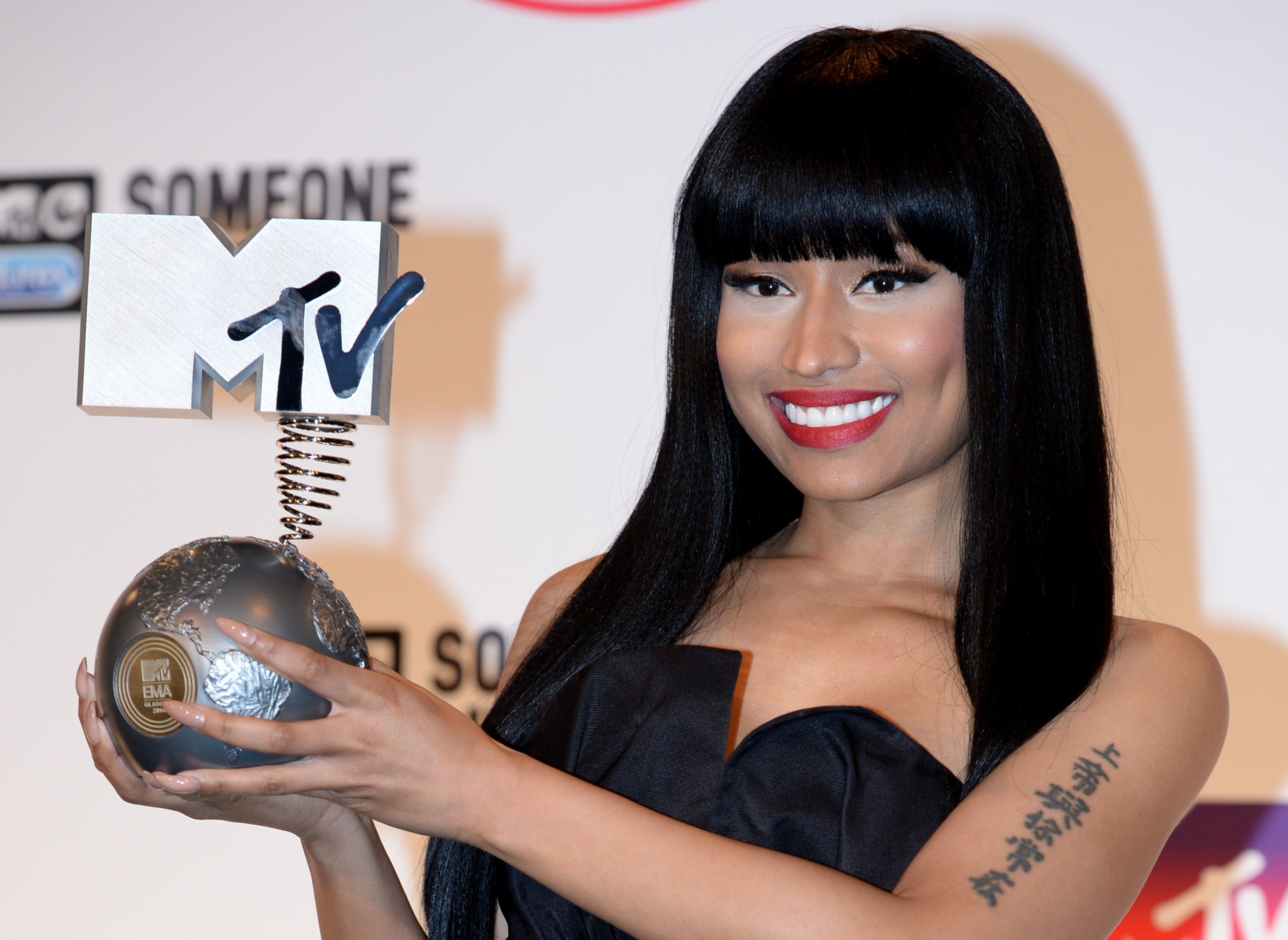 Nicki Minaj Posts An Old Pic For Throwback Thursday And Proves She ...