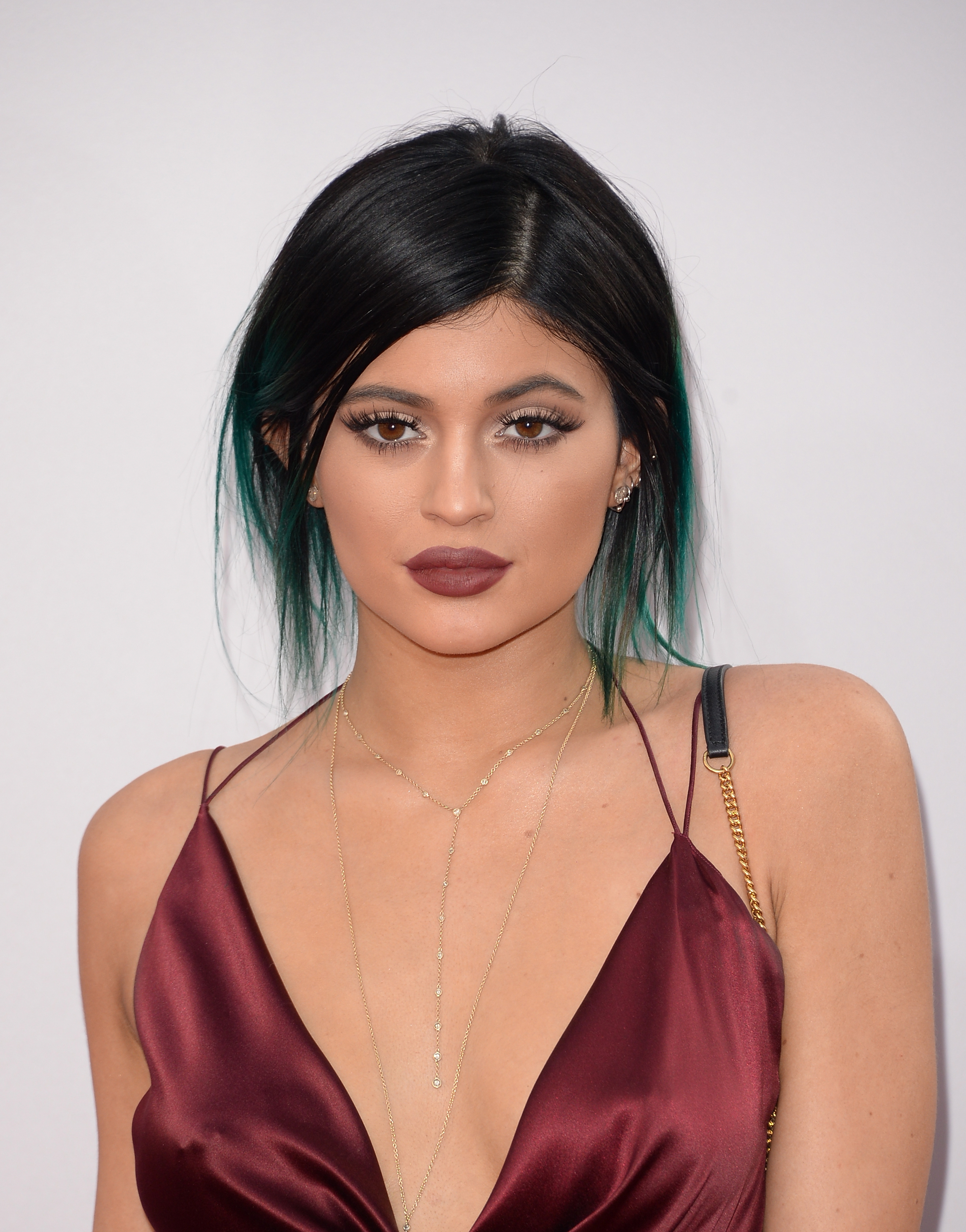 13 Kylie Jenner Teal Hair Throwbacks That Will Make You Miss Her