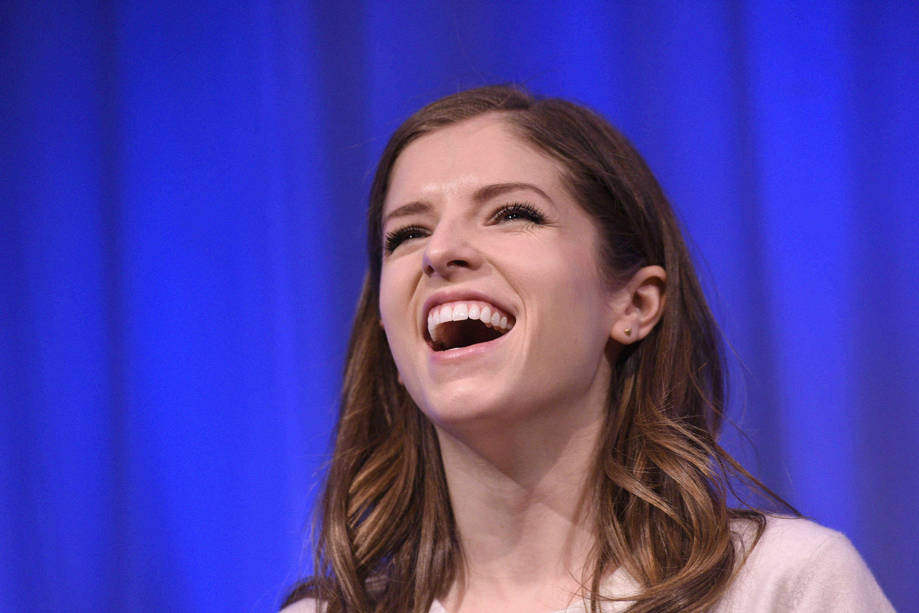 7 Anna Kendrick Singing Clips For Any Mood Because Her Voice Can Lift Your Spirits