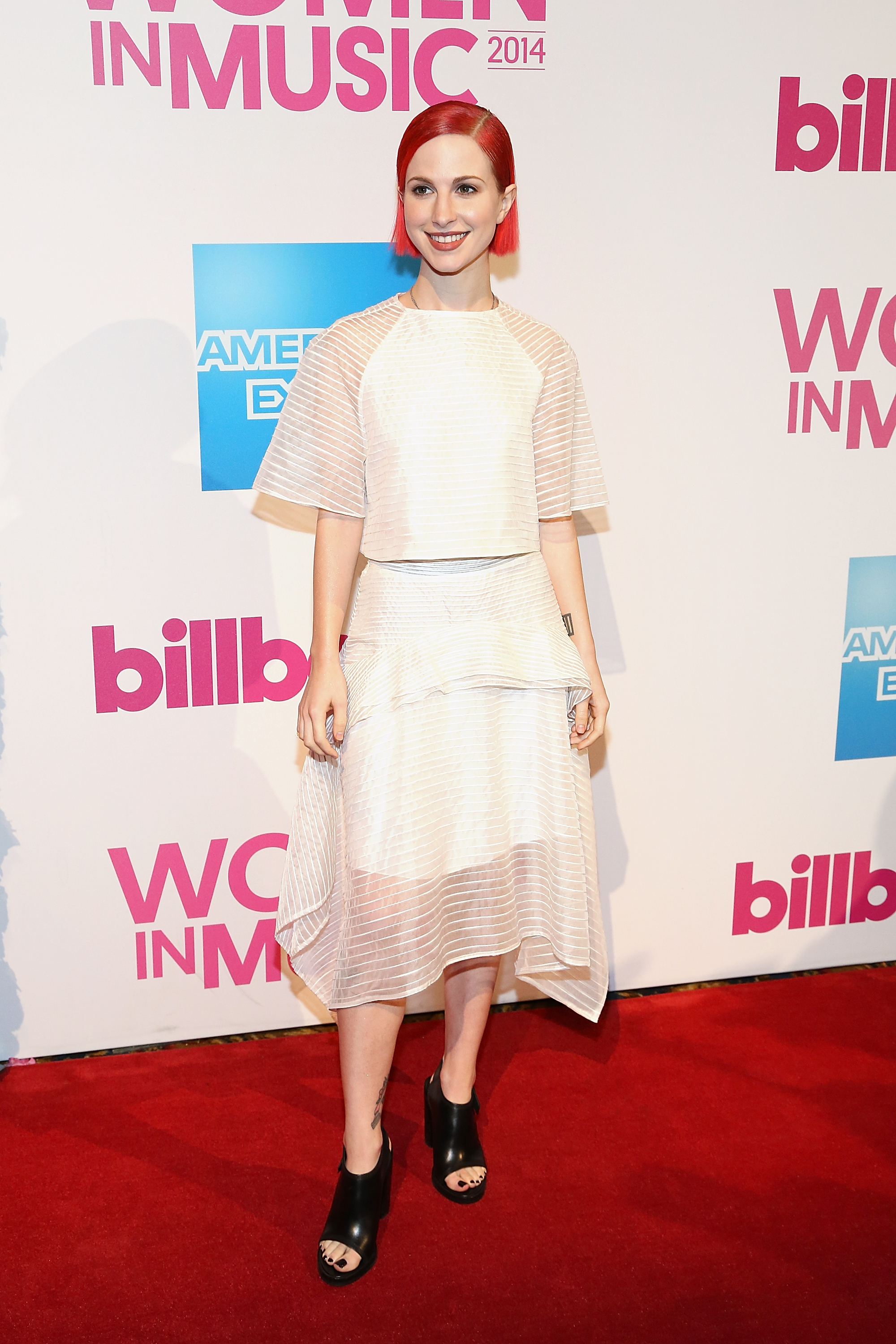 Hayley Williams\' Wedding Dress Is Punk Rock Chic & Perfect, Just ...