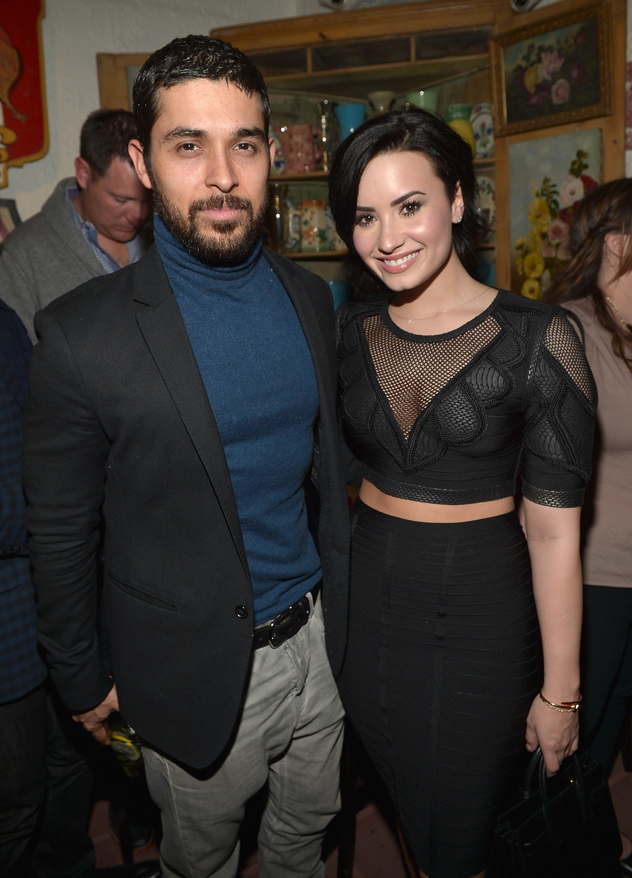 wilmer single guys Mandy moore reveals feelings on ex wilmer mandy moore revealed how she feels about rumours her friend minka kelly is dating her ex wilmer wore men 's pants.