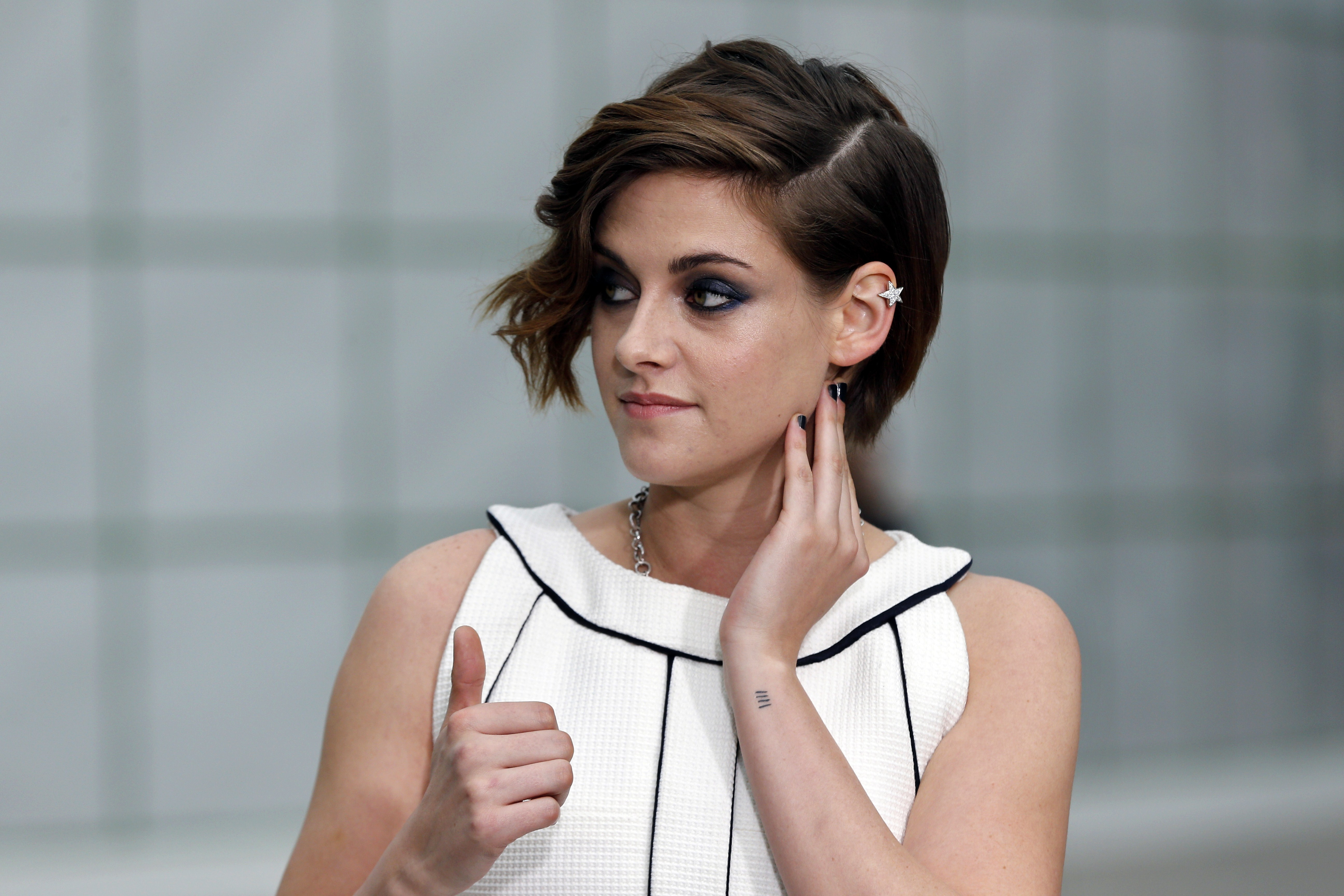 Kristen Stewart's Resting Bitch Face Comeback & 4 Other Things Women