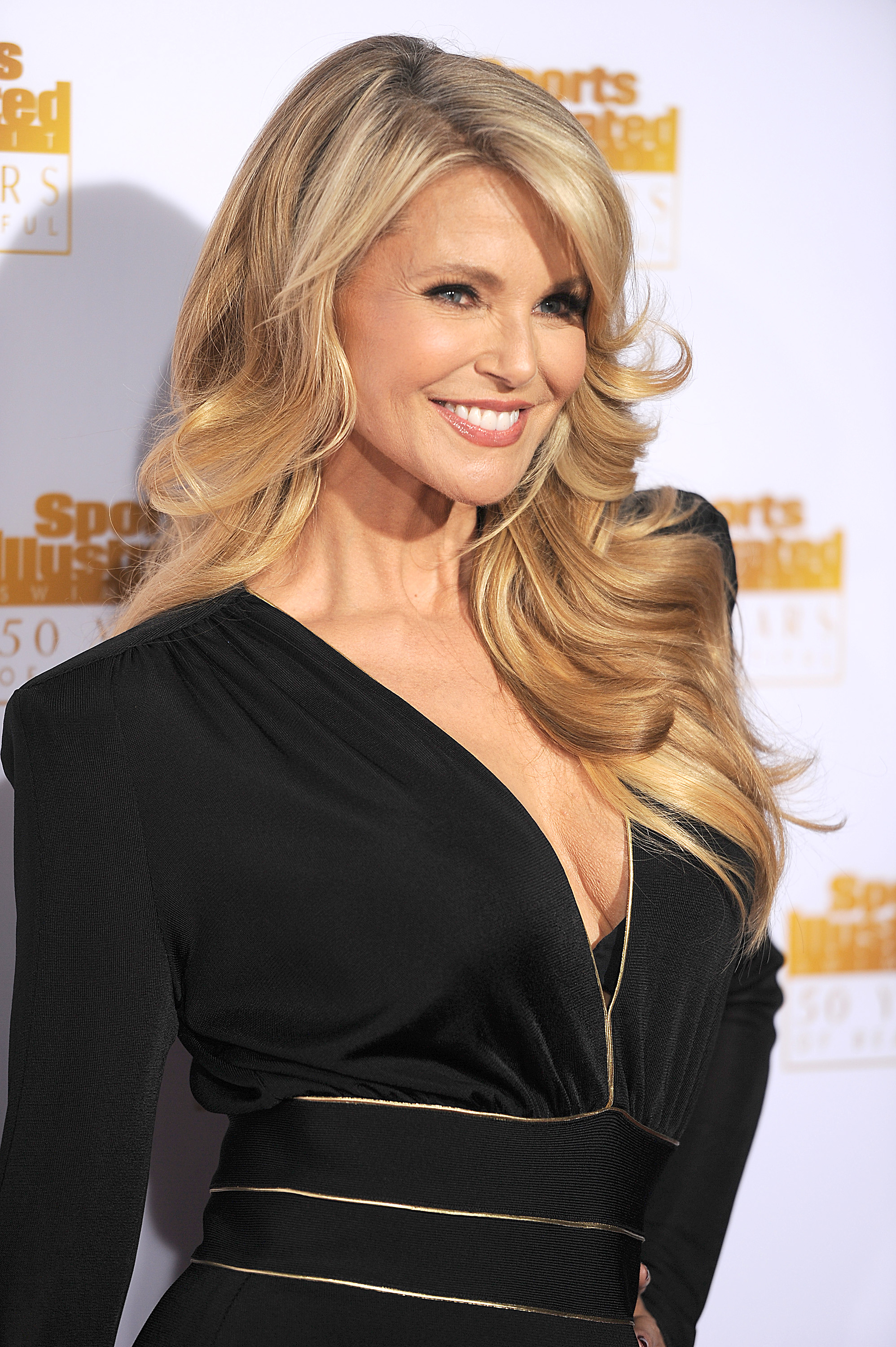 7 Christie Brinkley Skin Care Secrets That You Can Use In Your Own