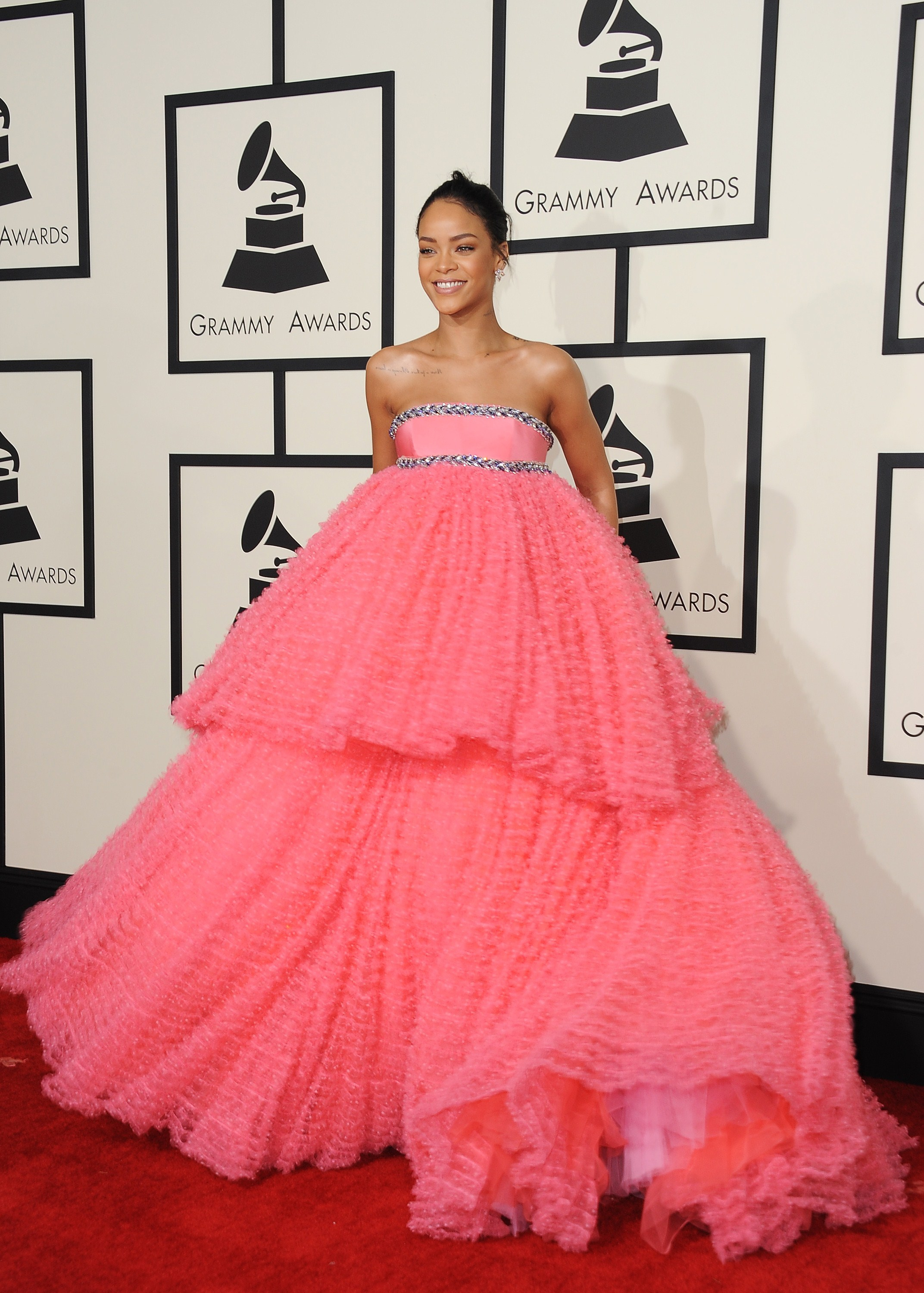 17 Shocking Rihanna Outfits That Surprised Even Her Most Dedicated Fans