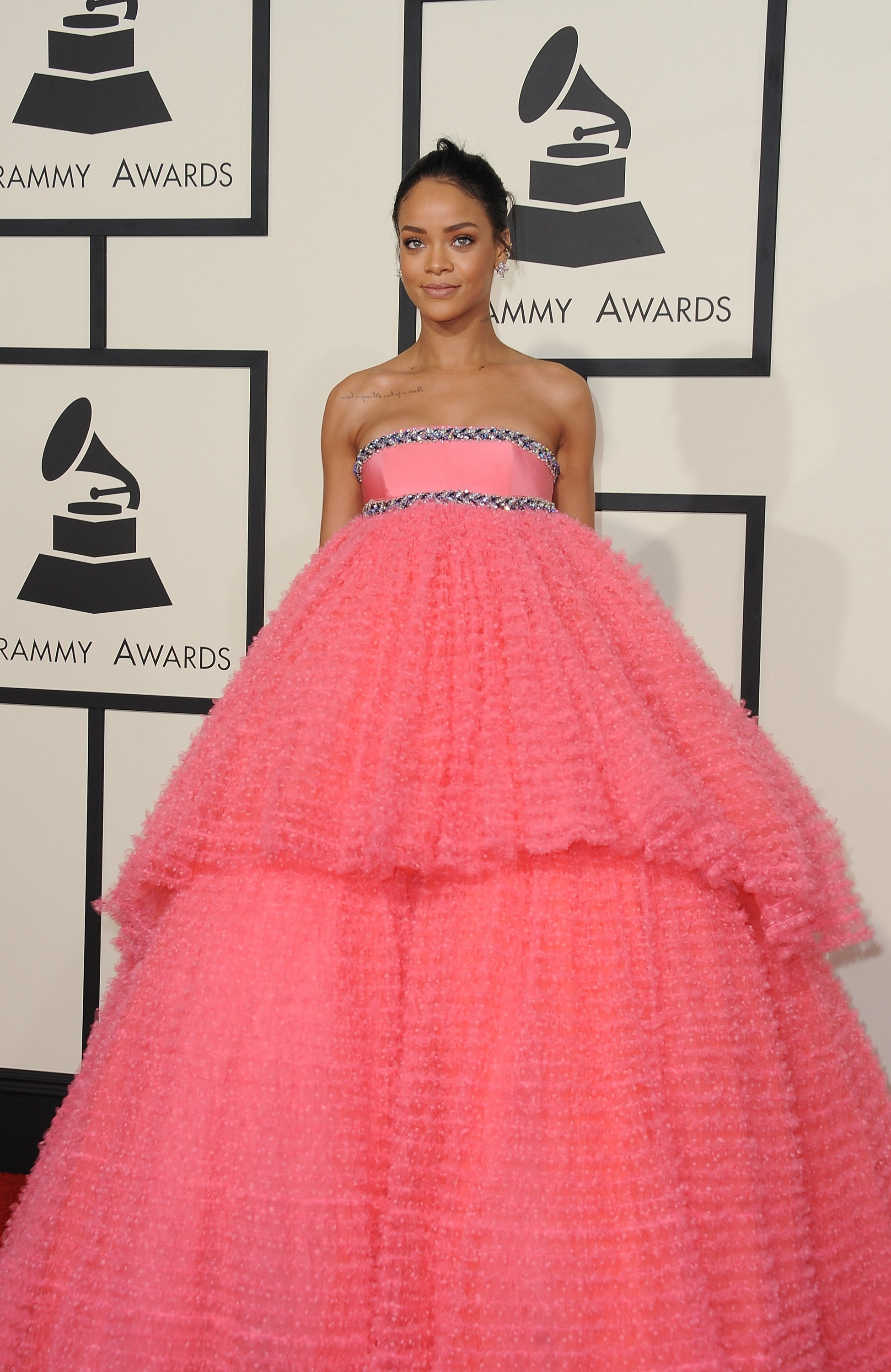 Rihanna\'s Grammys Dress Looks Like A Cupcake Doll, A Furby, And So ...