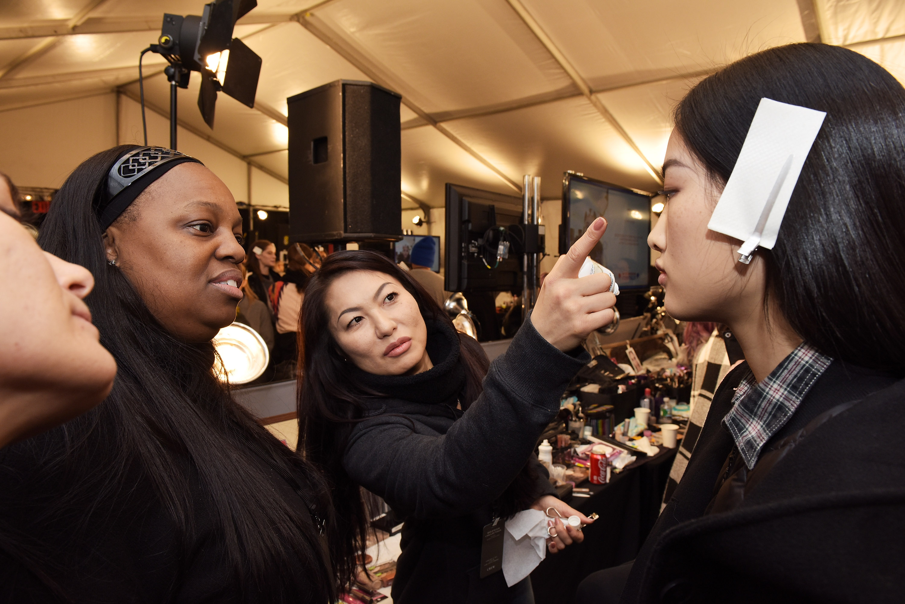Pat Mcgrath Planning Full Makeup Line In 2016 But Gold 001 Is Available This Week