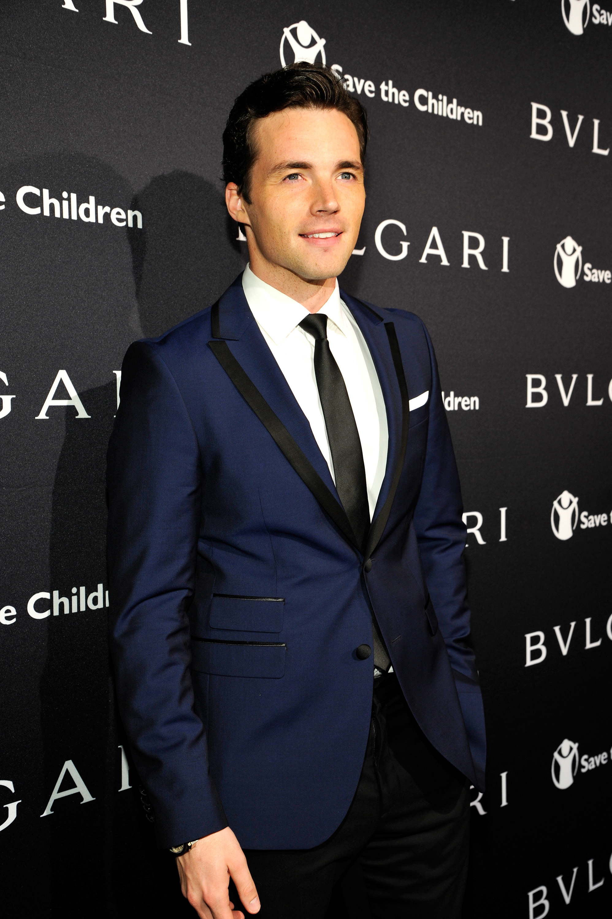 Who Is Ian Harding Dating The Pretty Little Liars Star S Girlfriend Loves Fashion Art As Much As Aria Photos