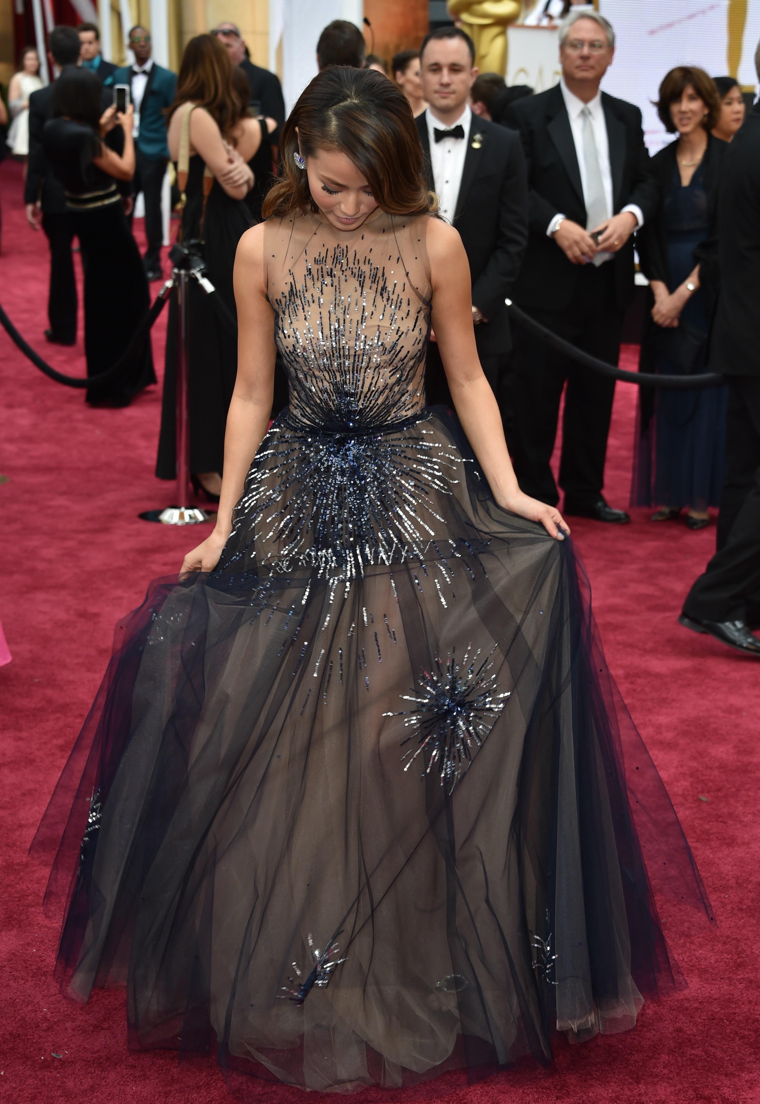 Do Celebrities Get Their Oscars Dresses For Free?