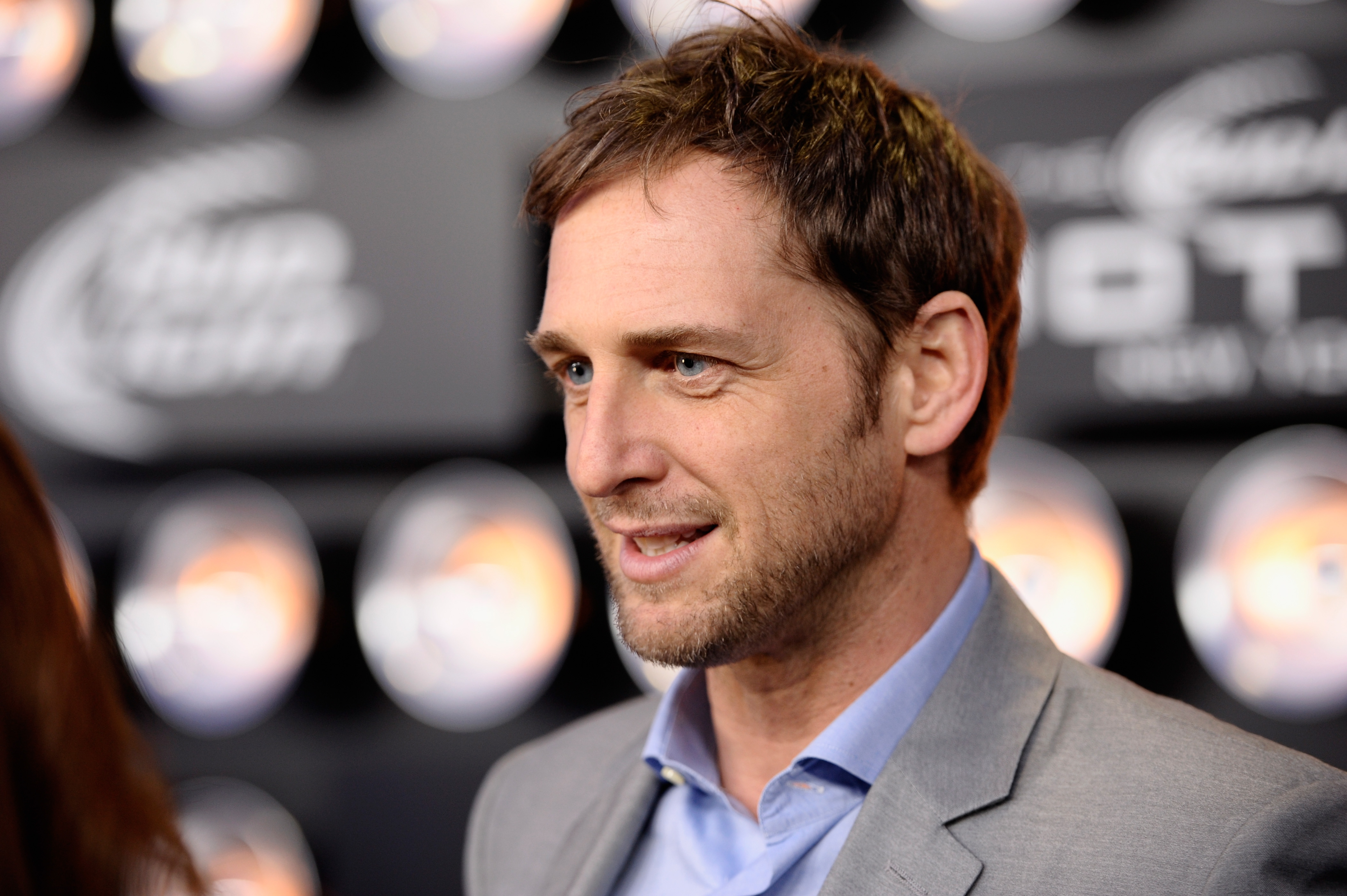 Times Josh Lucas Was Too Attractive To Handle from The