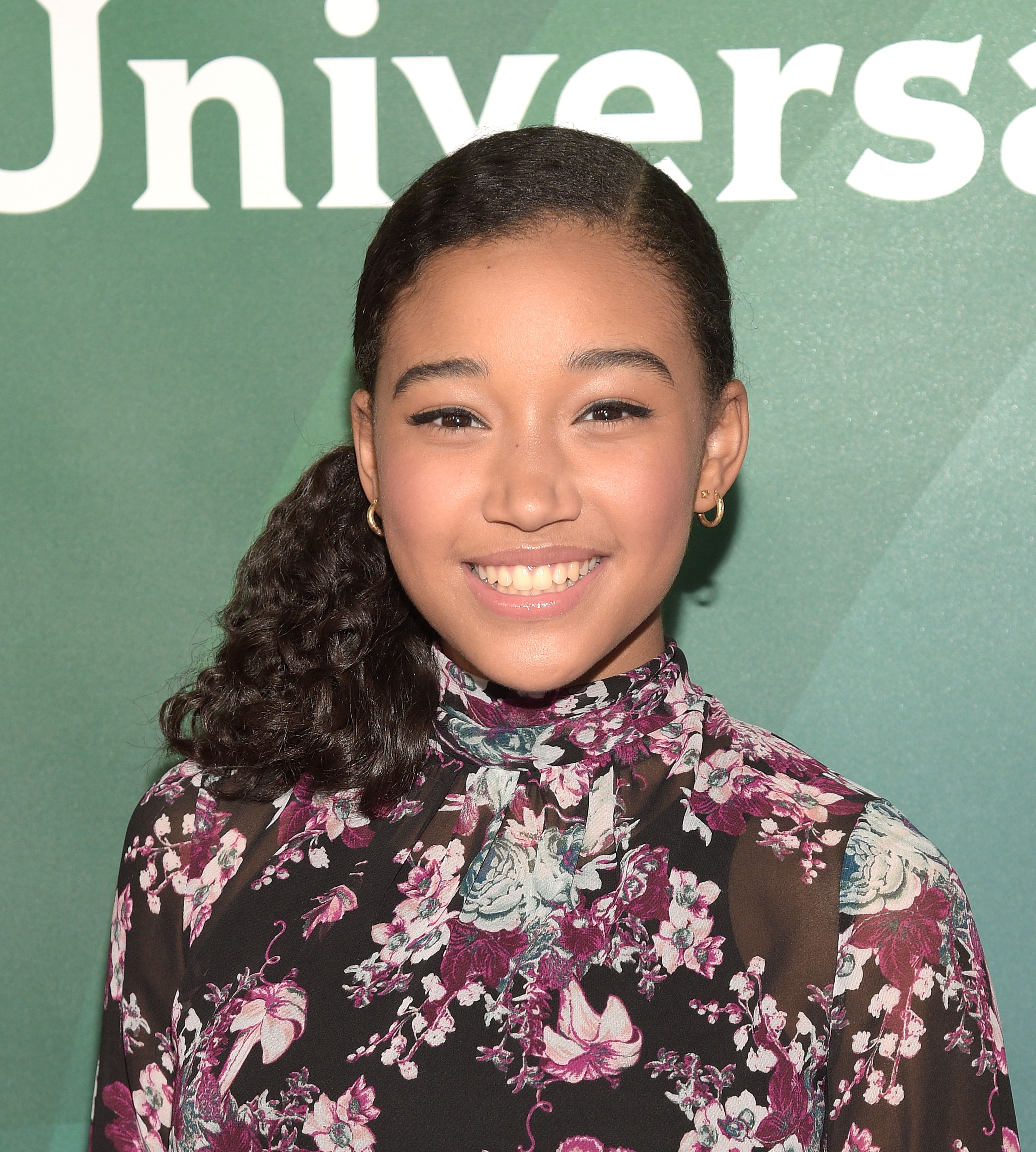 who is amandla stenberg the hunger games actress is basically the
