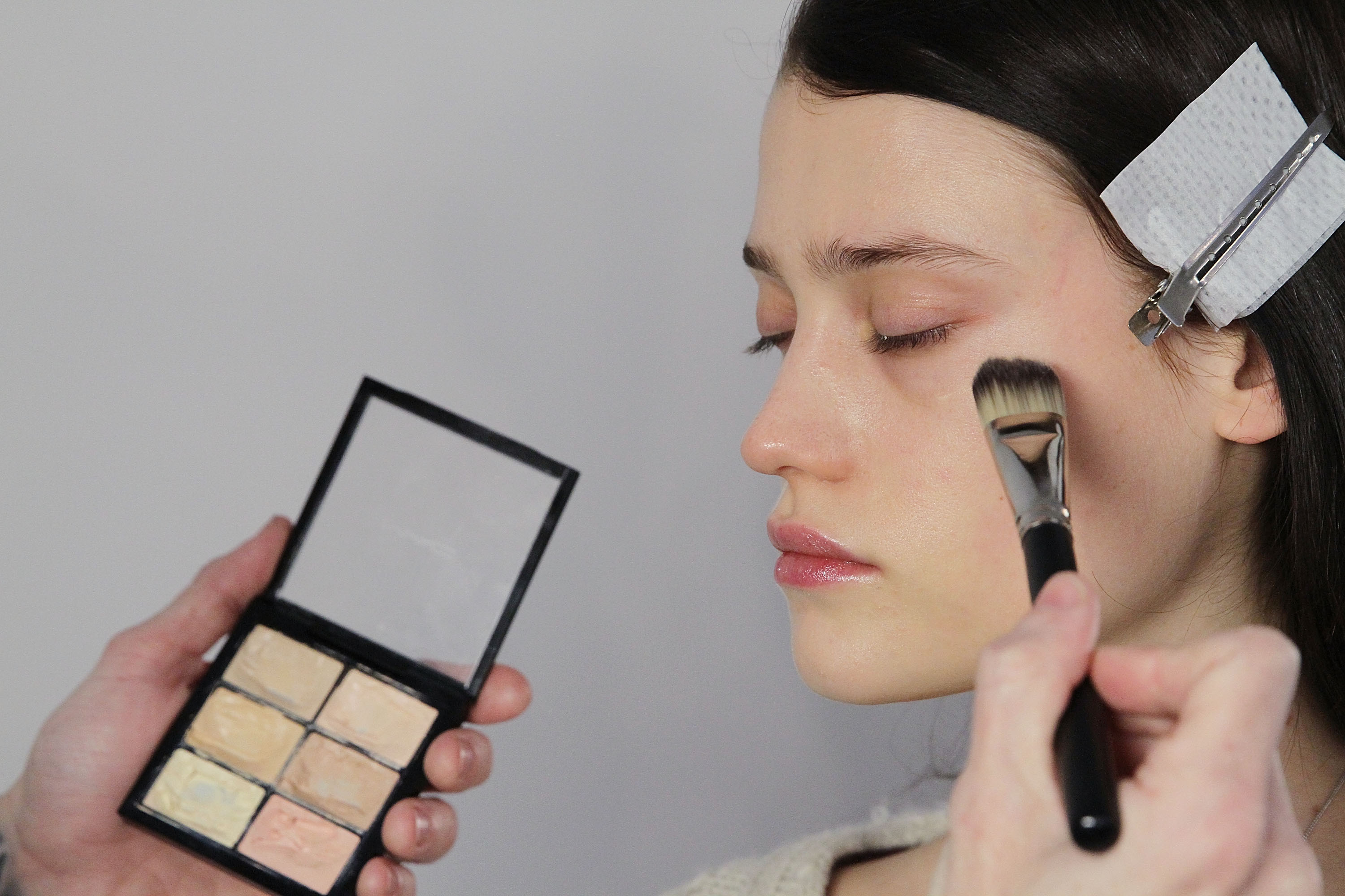 How To Cover Up Dark Circles Without Concealer With 7 Easy Tips