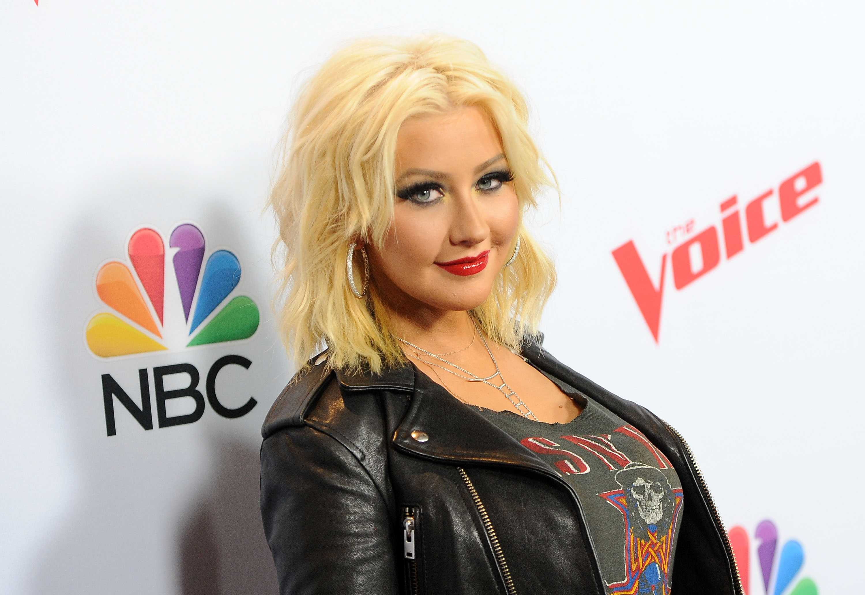 Christina Aguilera Just Dyed Her Hair Very, VeryRed foto