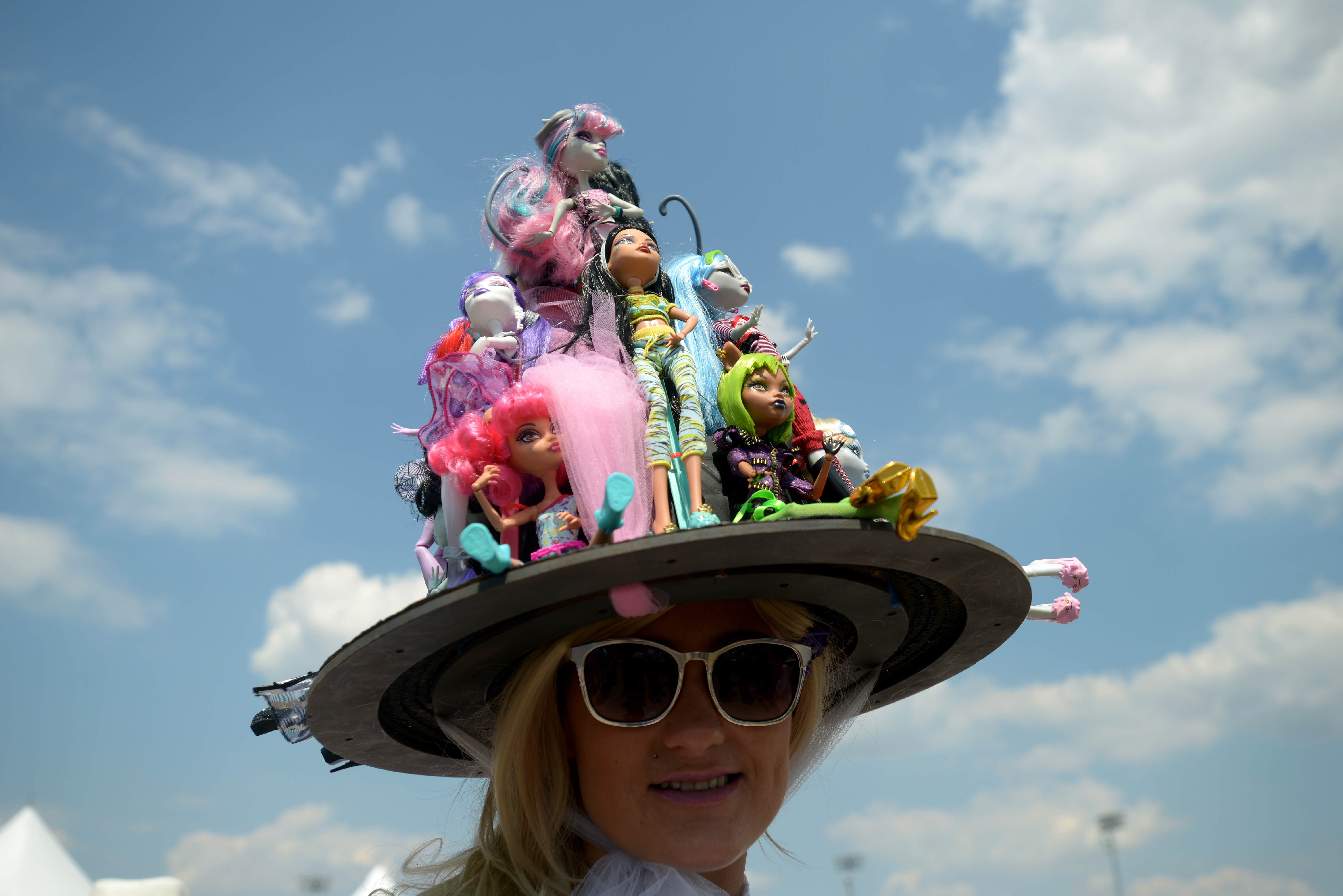 97ef32f9f80 The Weirdest 2016 Kentucky Derby Hats Are Not To Be Missed — PHOTOS