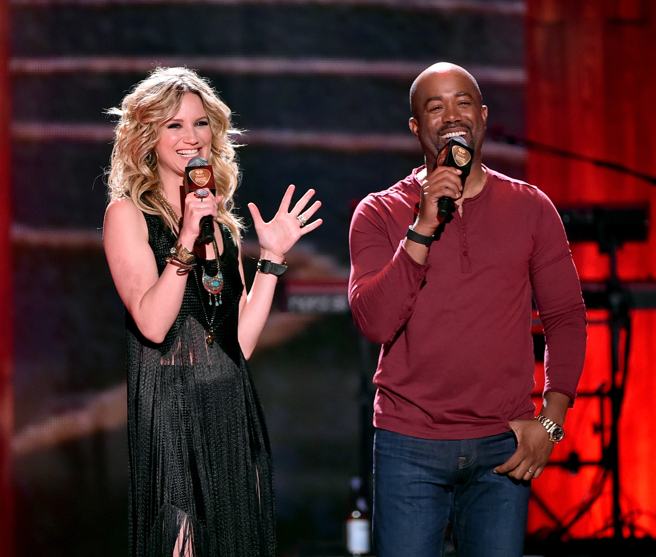 Are Jennifer Nettles Darius Rucker Friends The Iheartradio