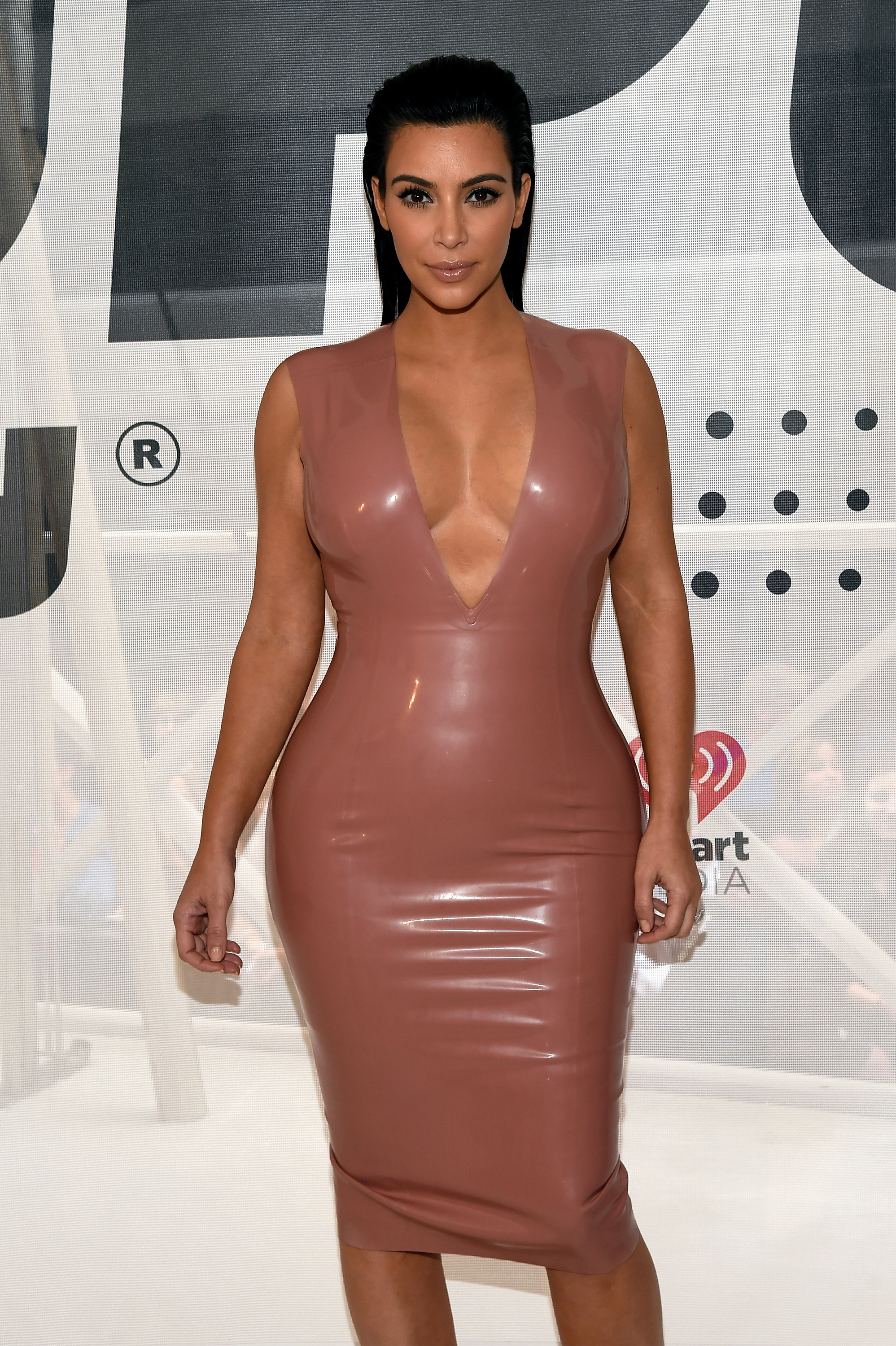 Last-Minute Kim Kardashian Halloween Costume Ideas That Will Make ...