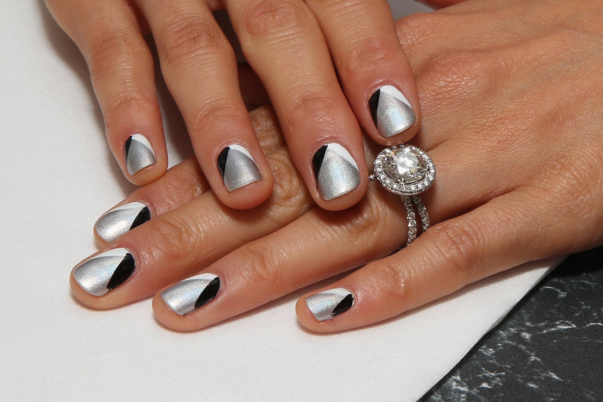 Coffin Nails, Stiletto Nails, & The Other 8 Nail Shapes You Should ...