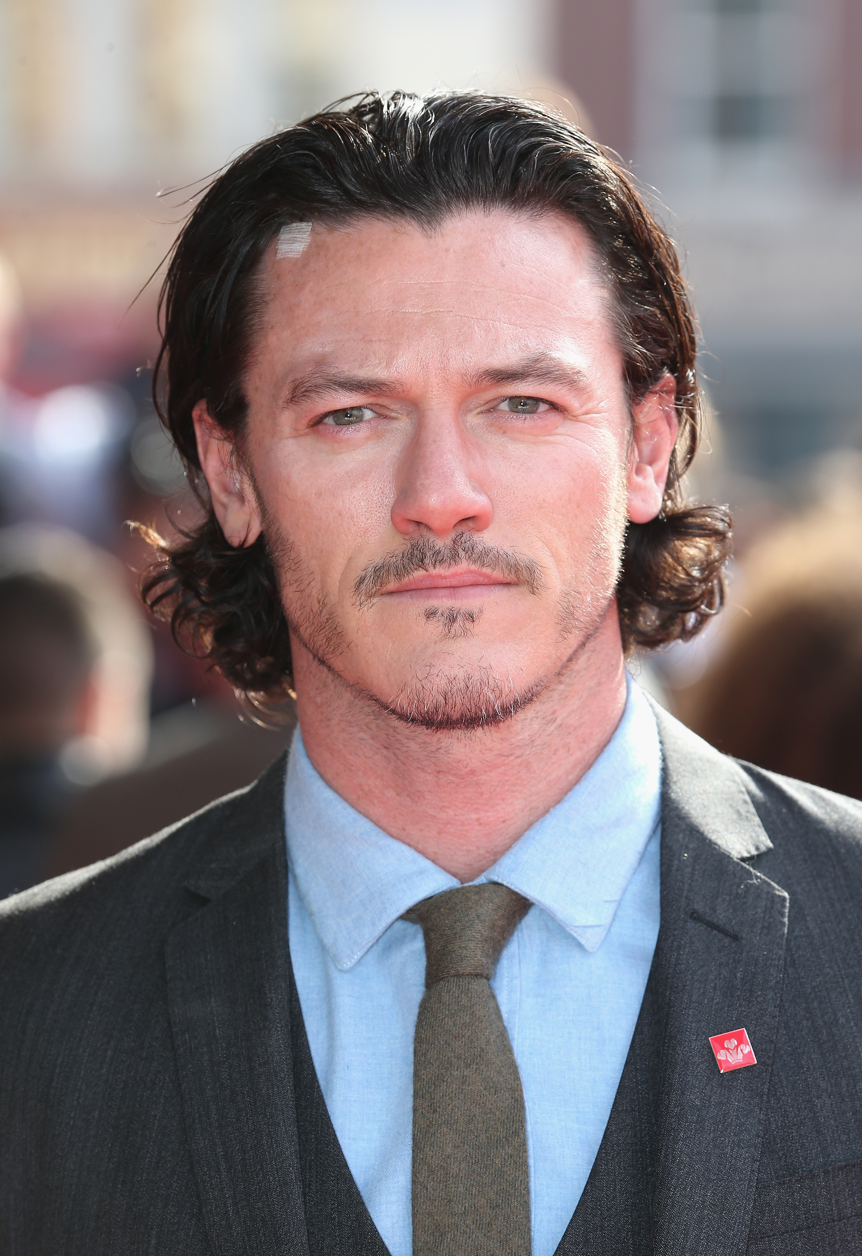 Is Luke Evans Single The Dracula Untold Star May Be