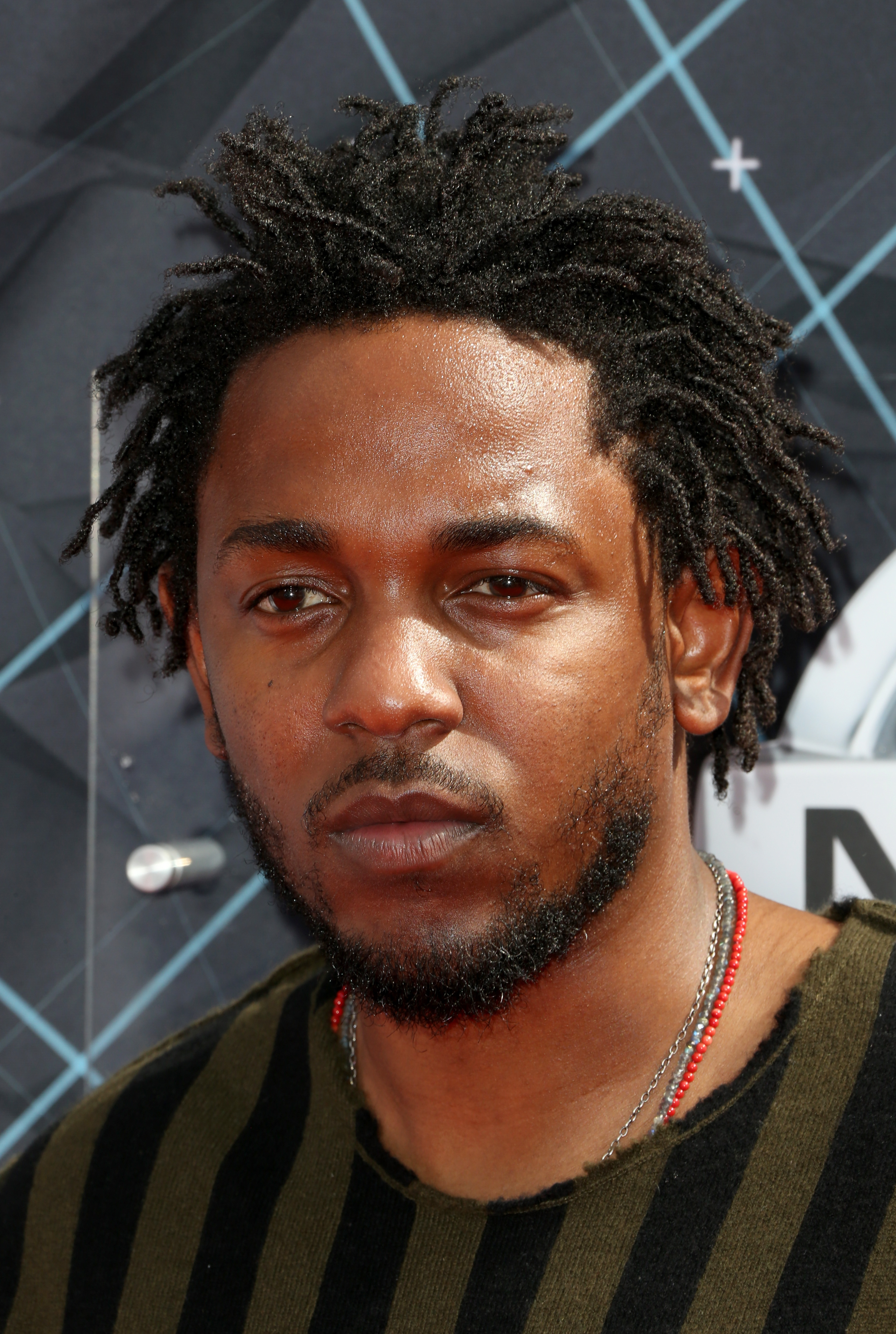 Kendrick Lamar Leads The 2015 Bet Awards With An Amazing