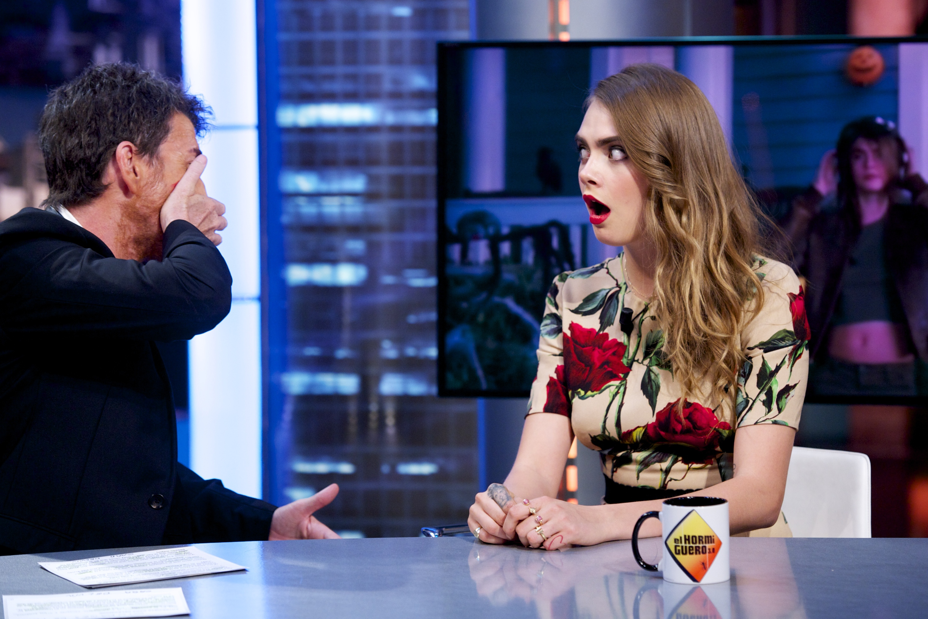 foto de 12 Cara Delevingne Gifs & Memes From 'Paper Towns' That Prove The ...