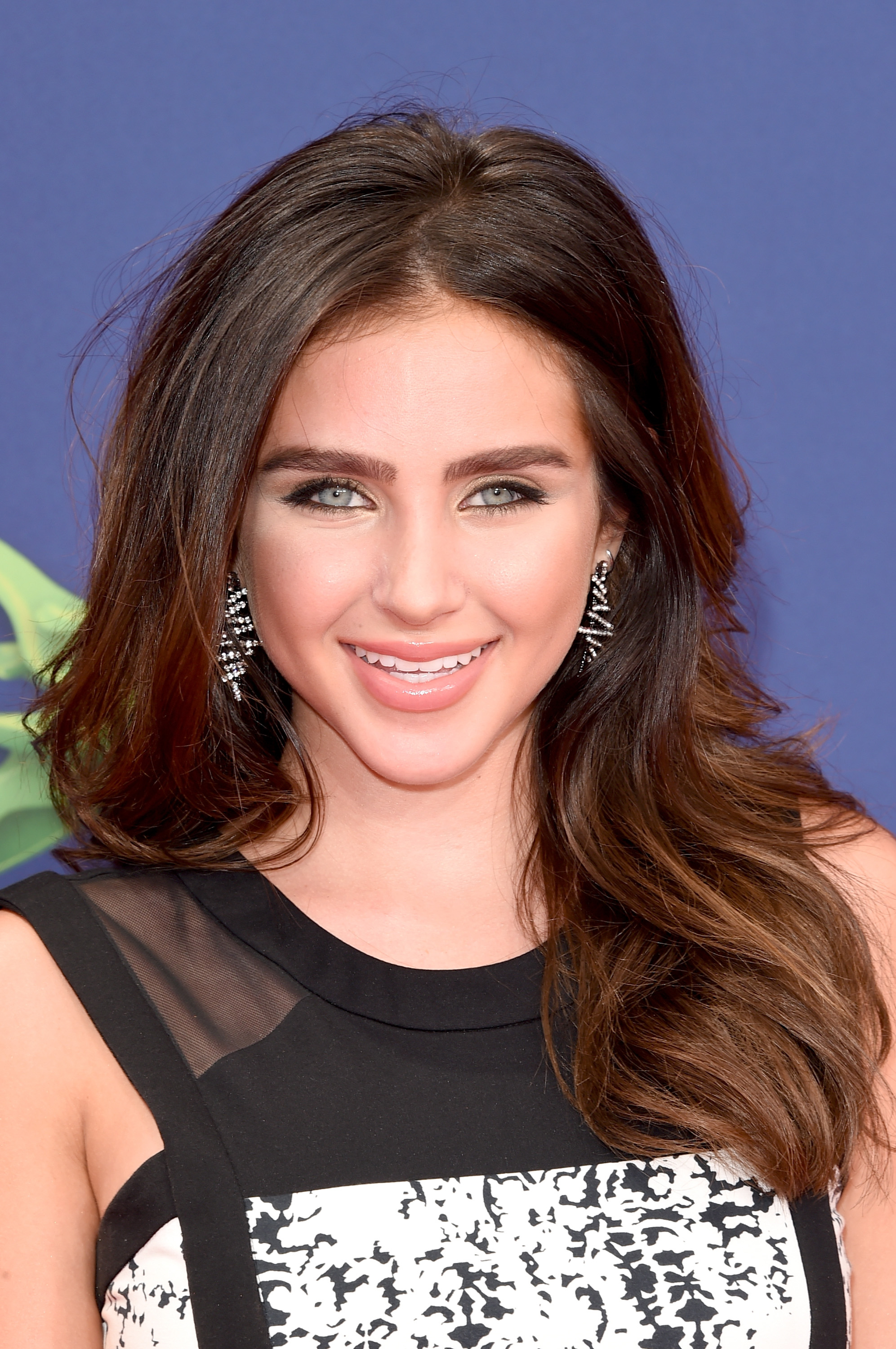 who plays fin shepard's daughter in 'sharknado 3'? ryan newman is