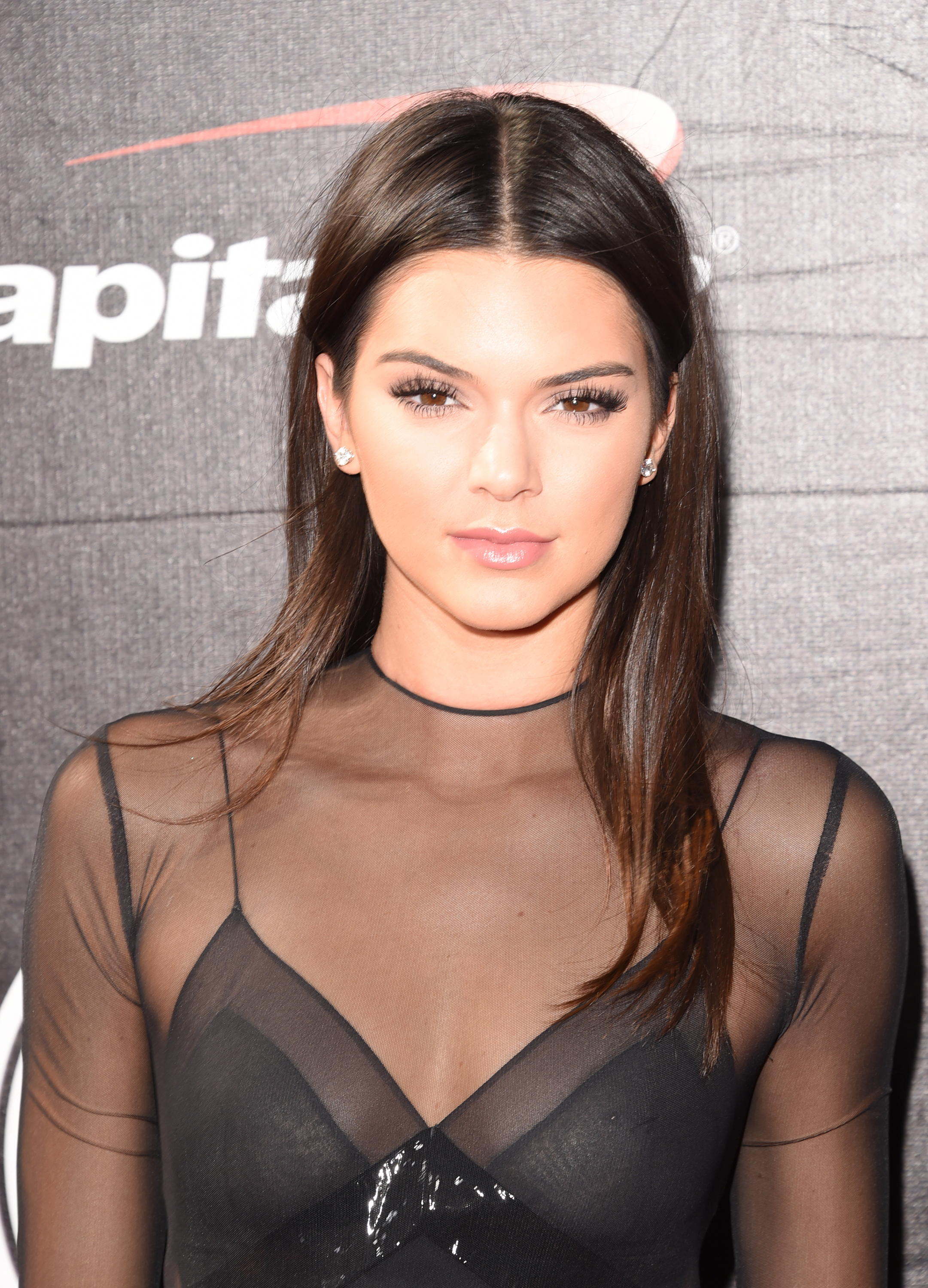 Kendall Jenner's 'Vogue' September Issue Spread Has Her
