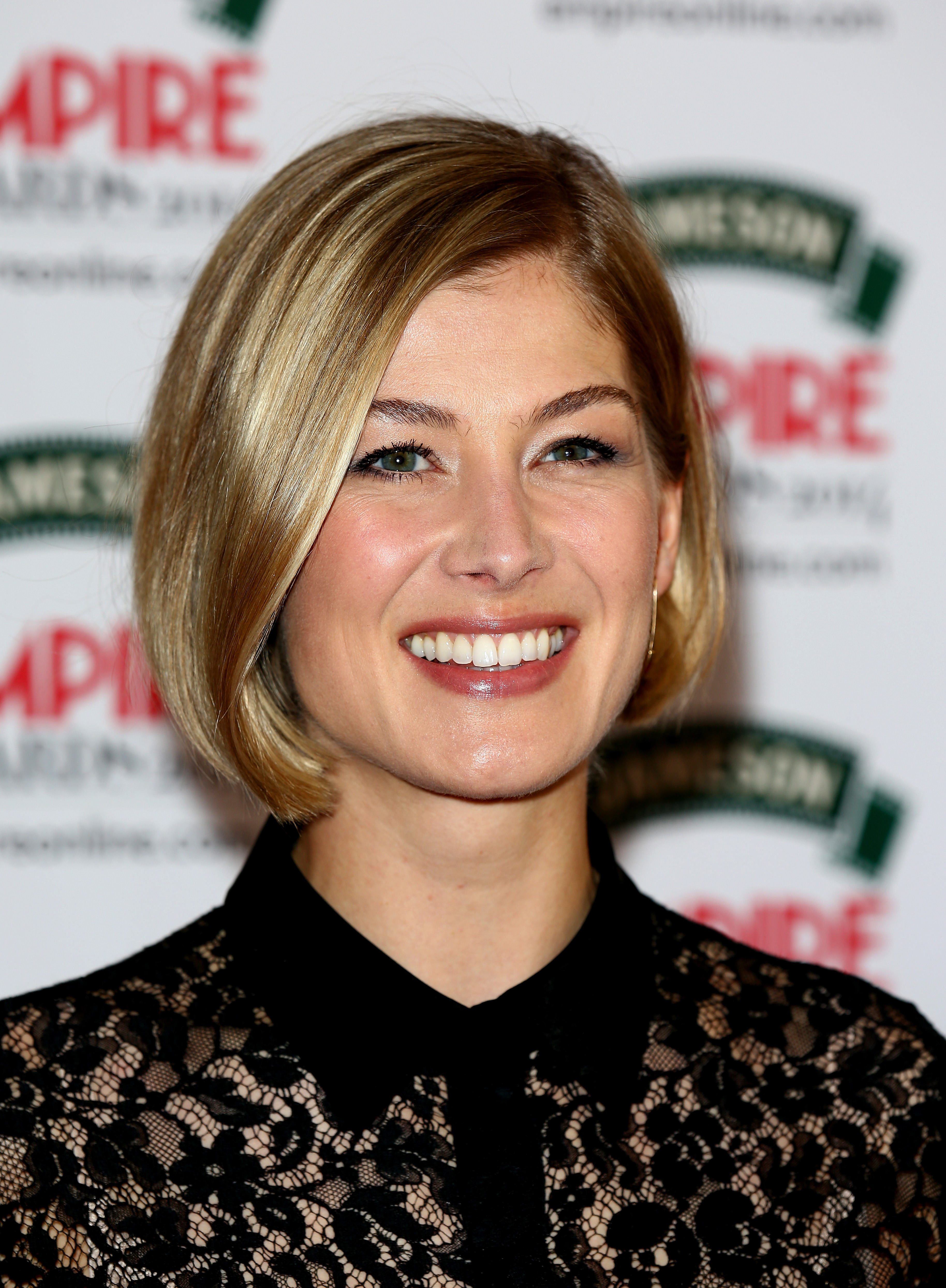 Gone Girl Star Rosamund Pikes Feminism Is What Makes -3295