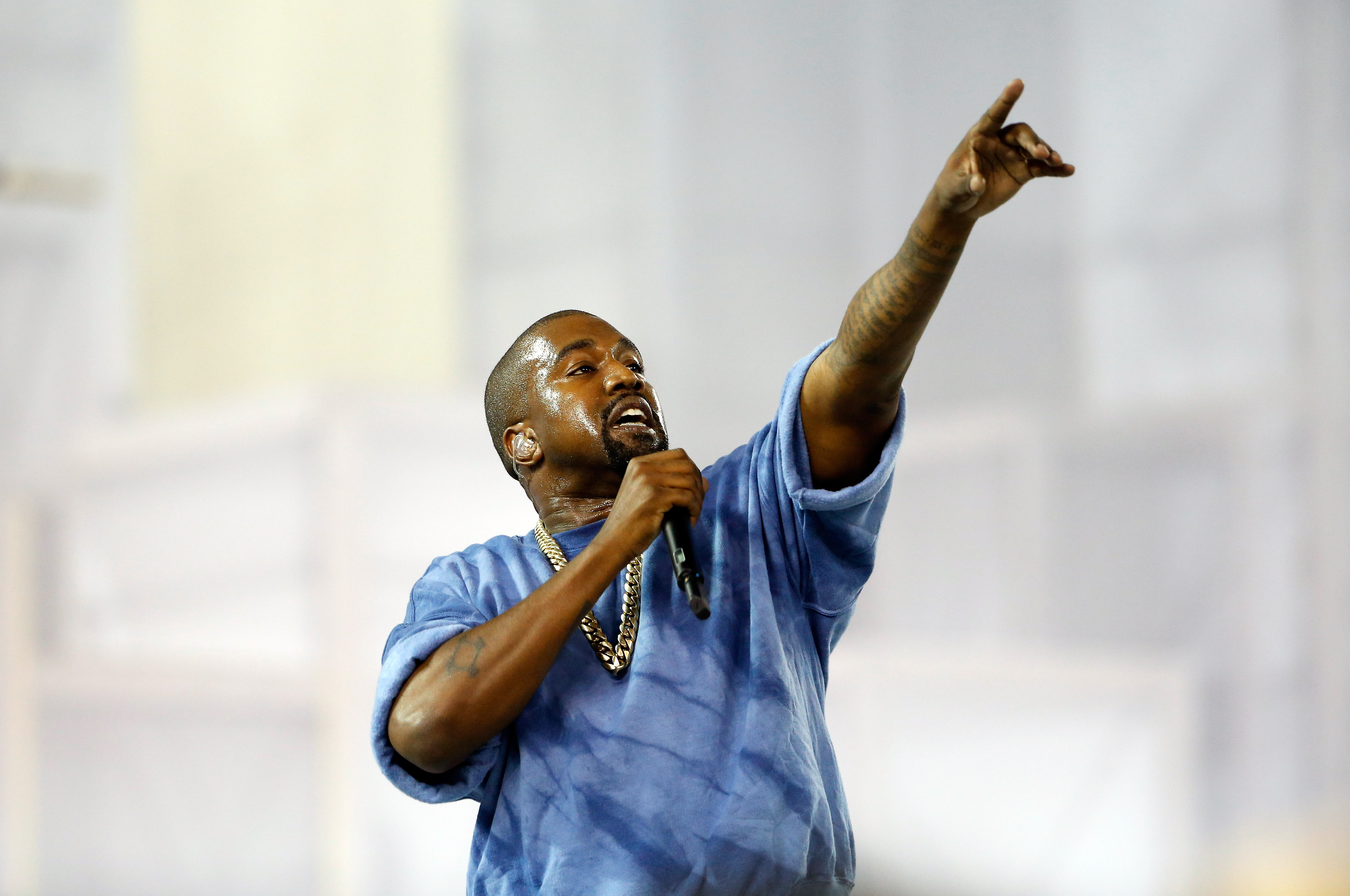 Kanye West Is The 2015 VMA Vanguard Award Recipient & His Influence ...
