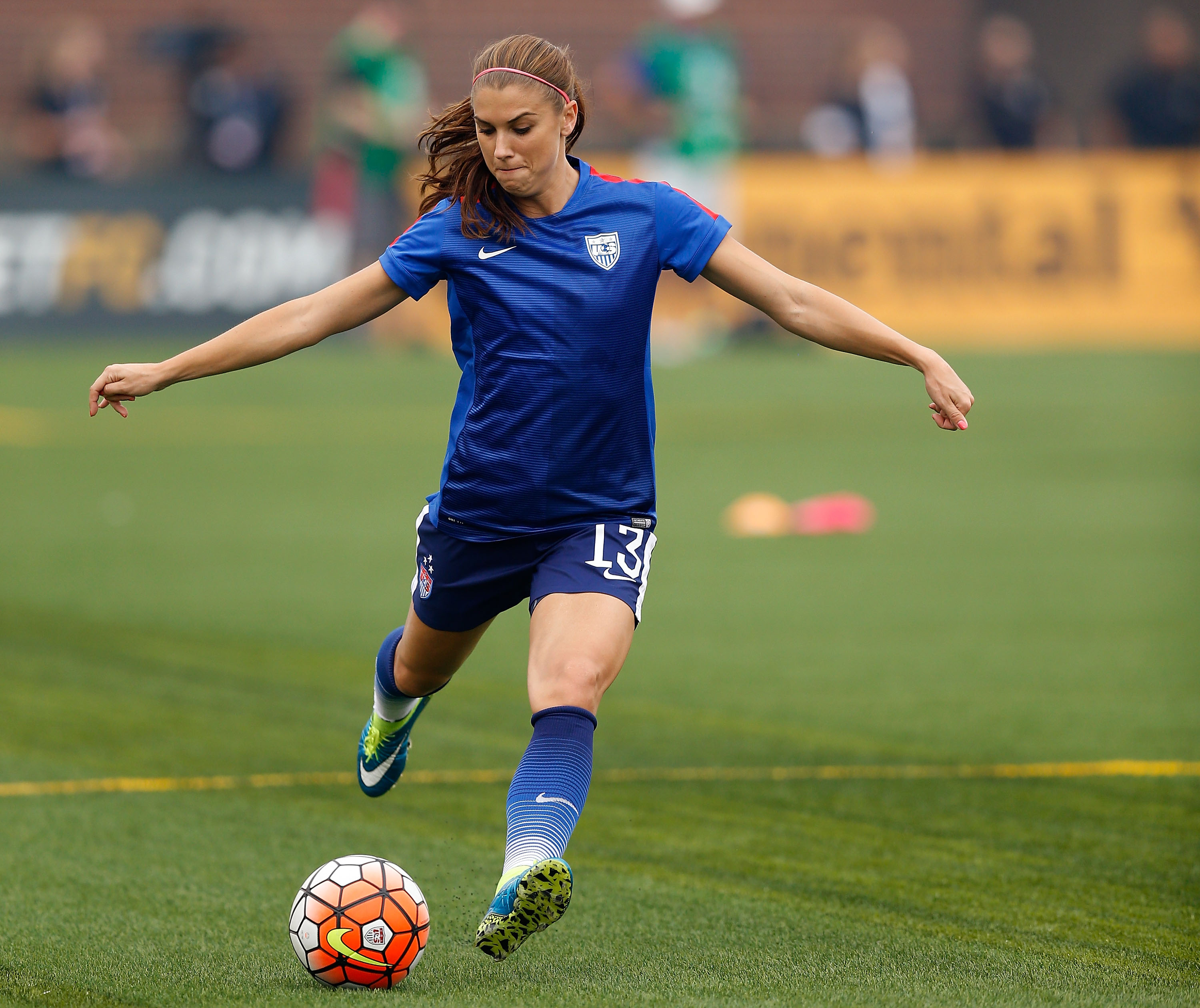 Alex Morgan Comments On The Paris Attacks Gives A Inspiring Statement Of Togetherness