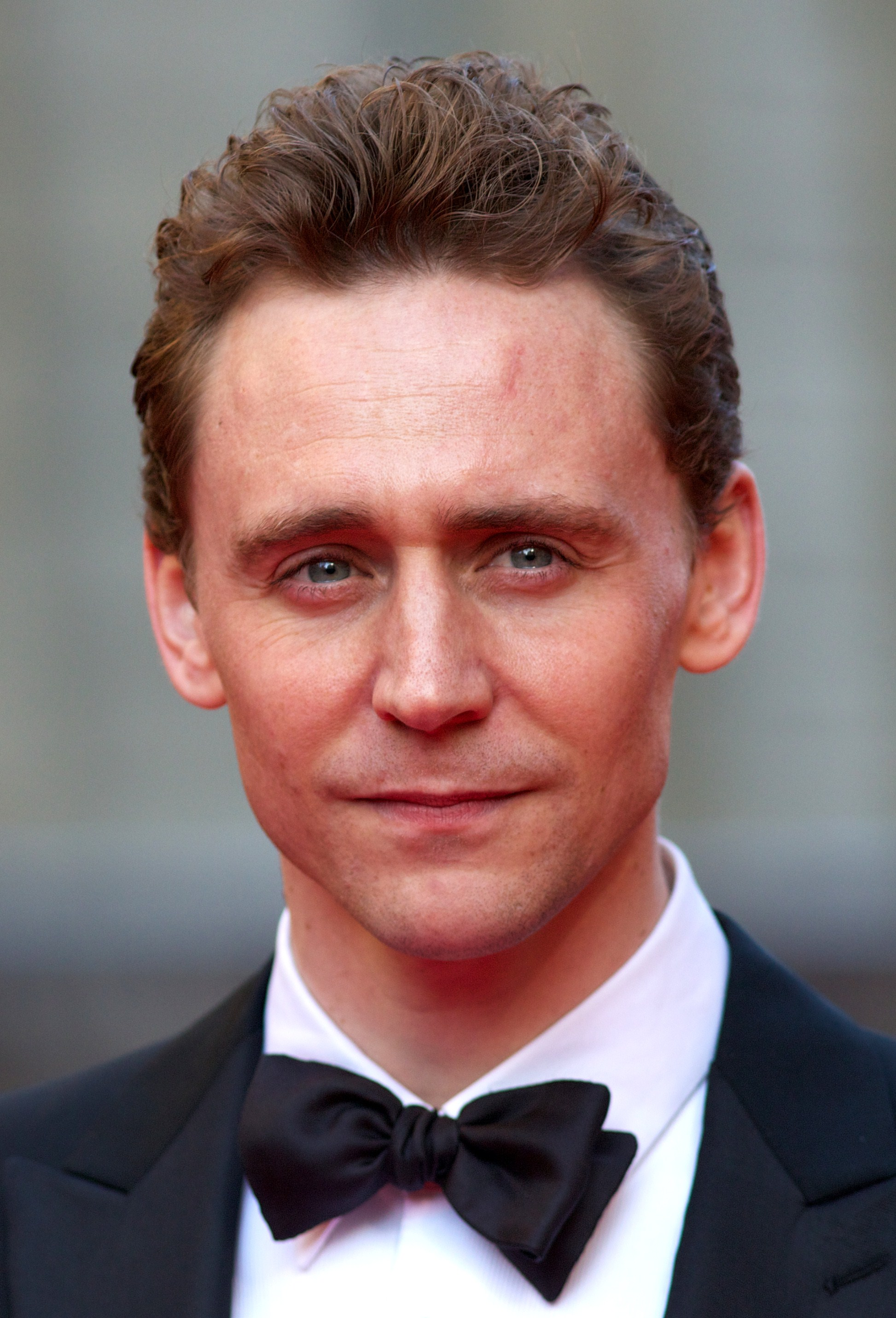 Tom Hiddleston Reading 'High Rise' Will Make Waiting For The