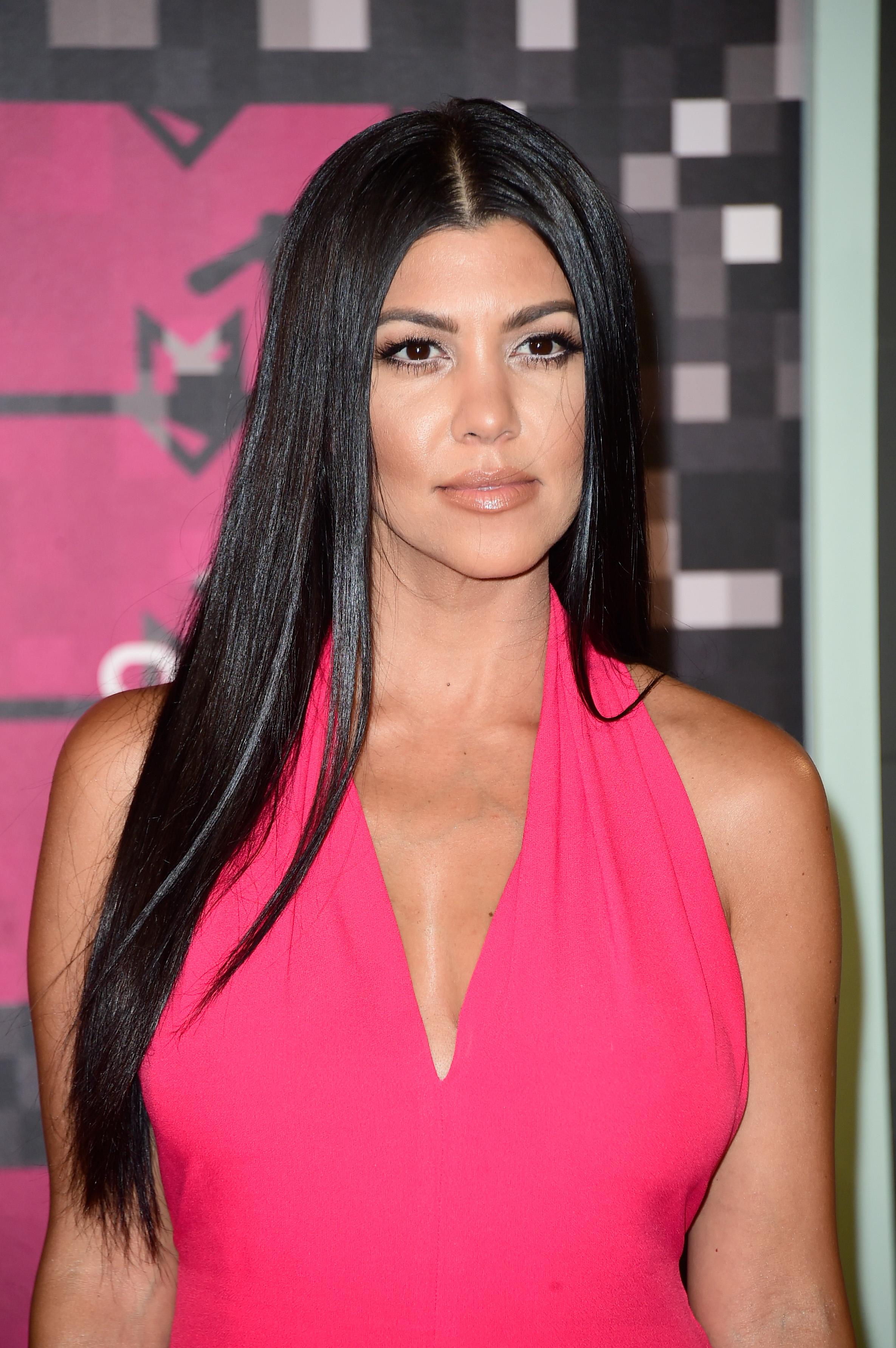Kourtney Kardashian Poses Nude For Vanity Fairs -6222