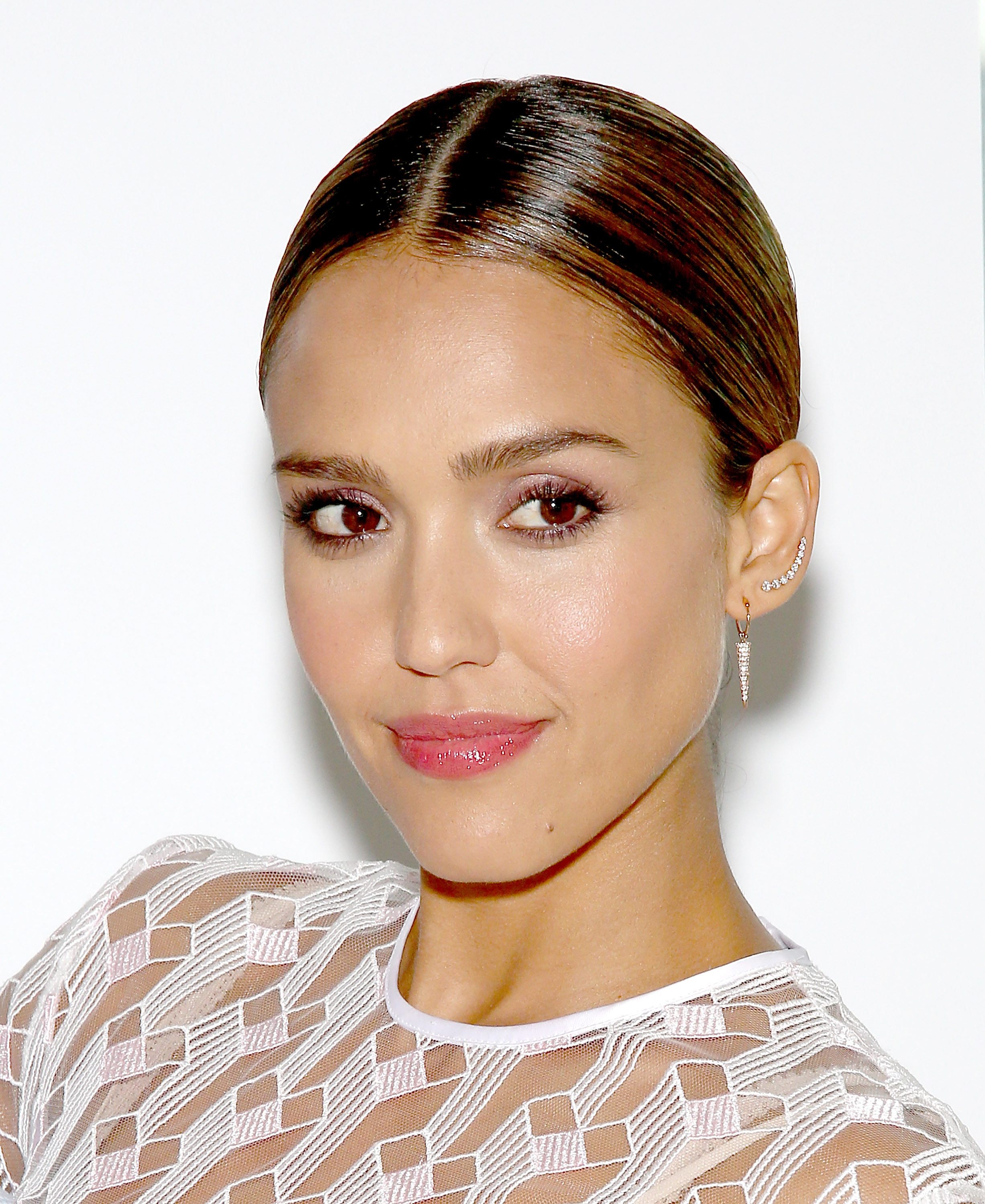 6ad6ce32d29 7 Honest Beauty Products From Jessica Alba's Line That Will Transform Your  Beauty Routine