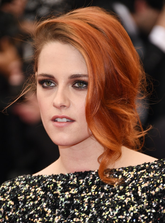 Kristen Stewart S Bleached Blonde Hair Makes Her Look Like