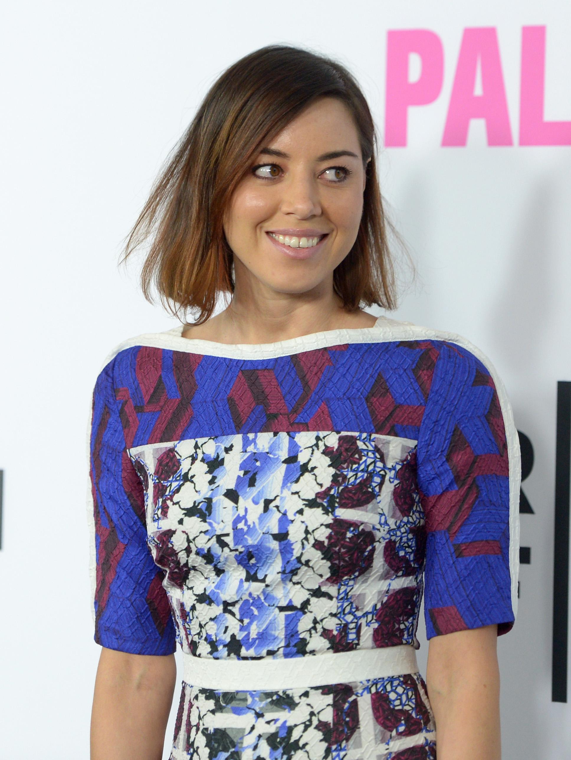 Aubrey Plazas Life After Beth Trailer Has The Parks Rec Star