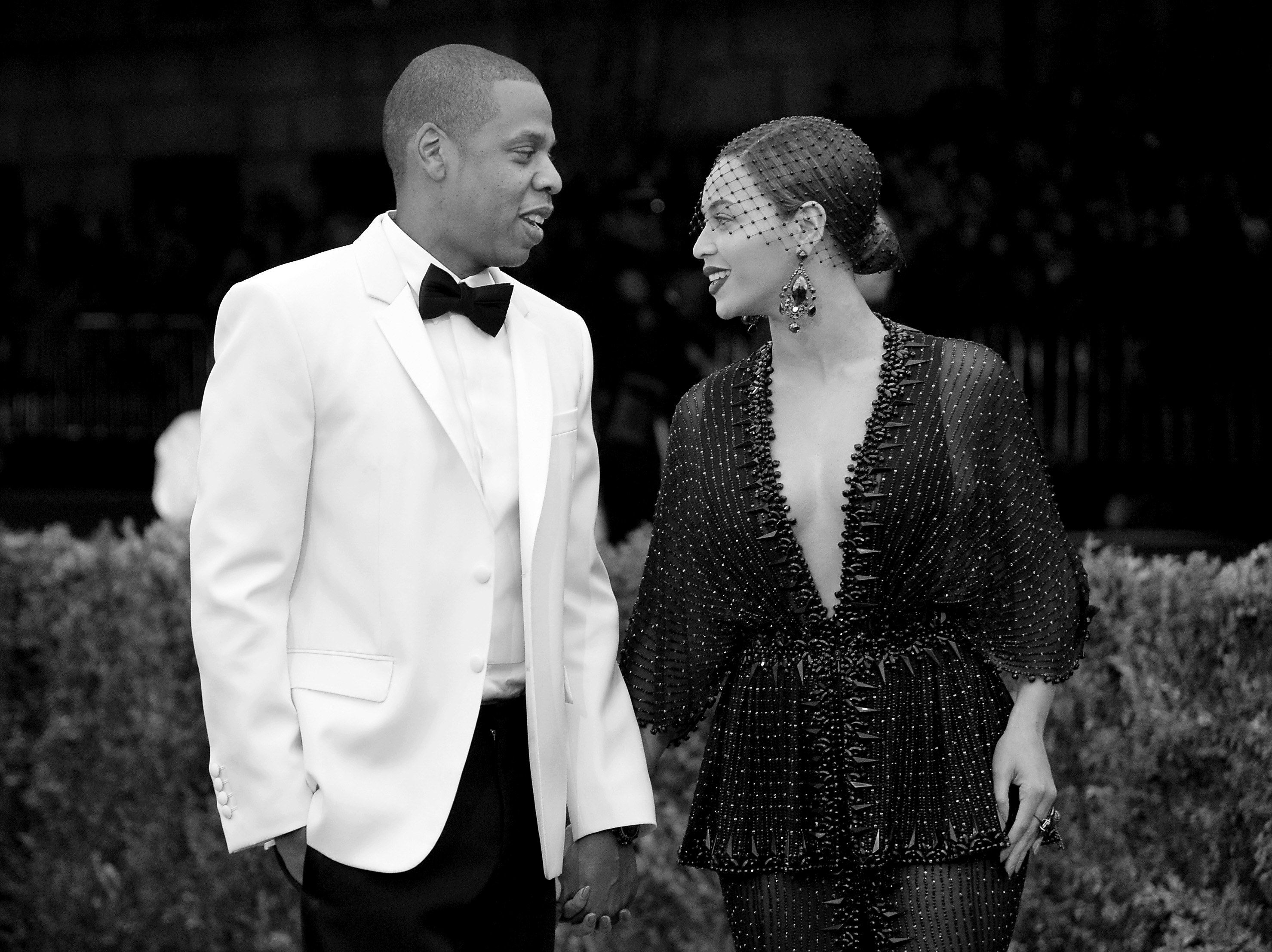 Jay Z & Beyonce's Divorce Announcement Could Come in Any of These 6