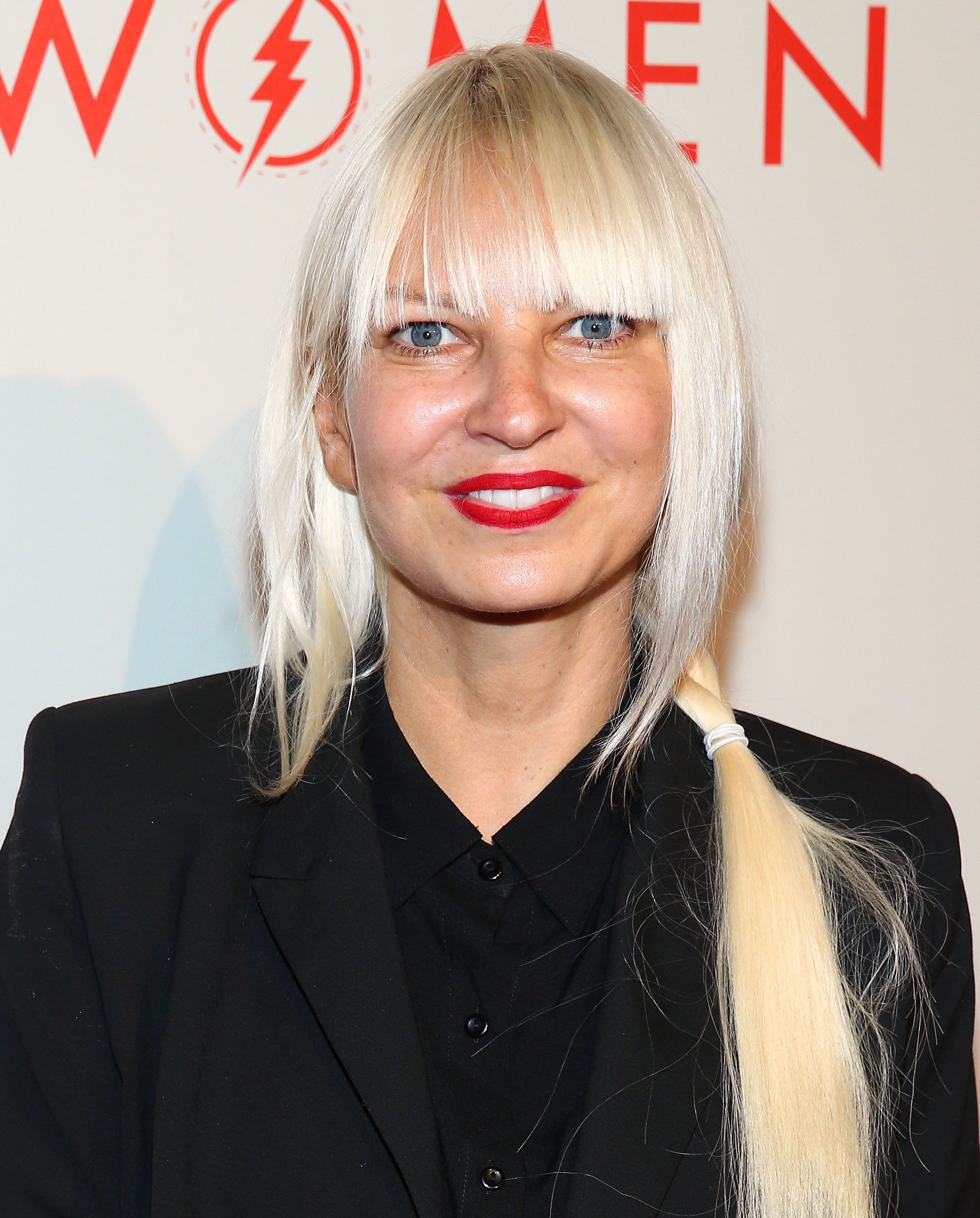 Is sia married the chandelier singers personal life may imeh akpanudosengetty images entertainmentgetty images arubaitofo Choice Image