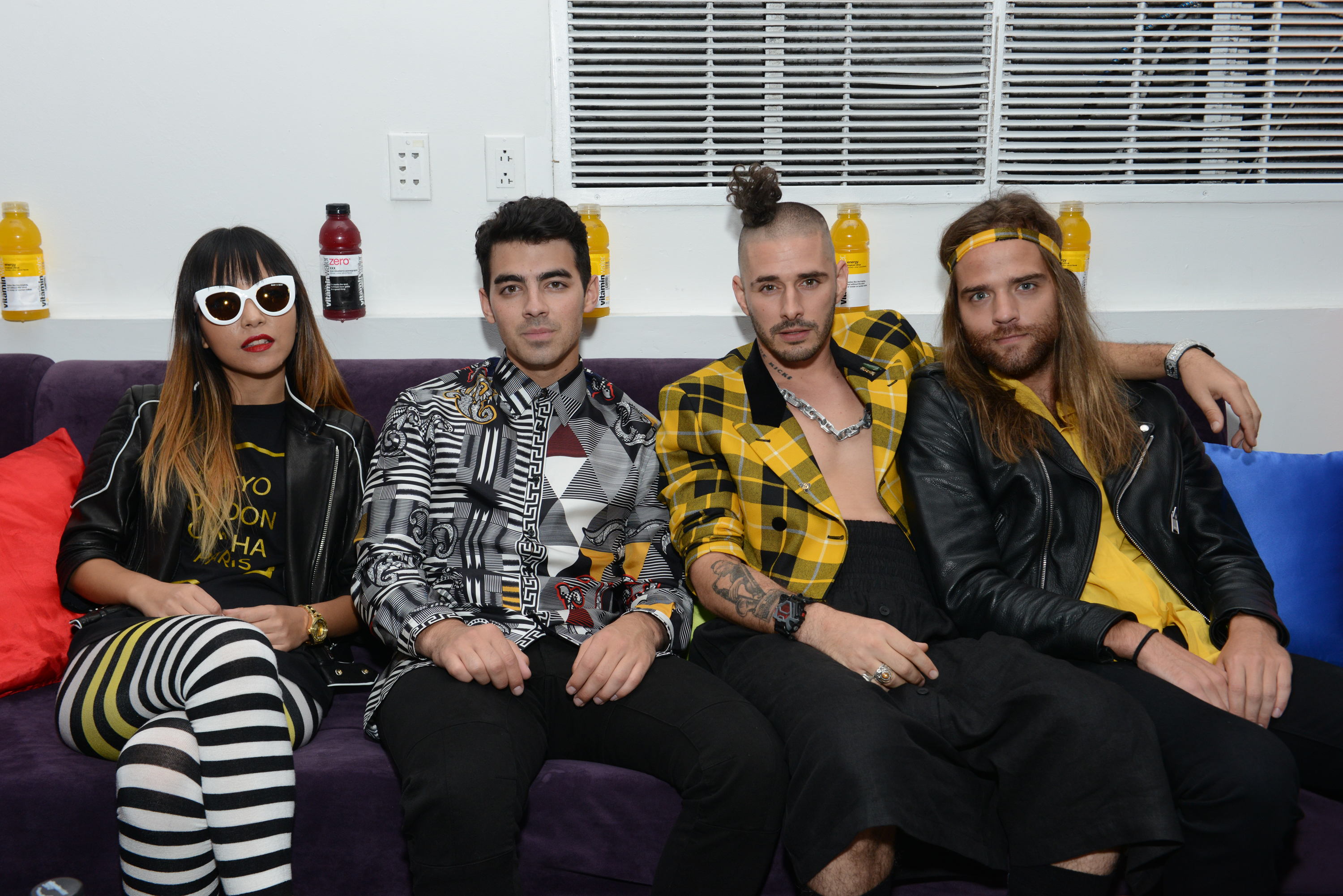 Dnce Cake By The Ocean Music Video Teaser Shows The Band S Cheeky Sense Of Humor