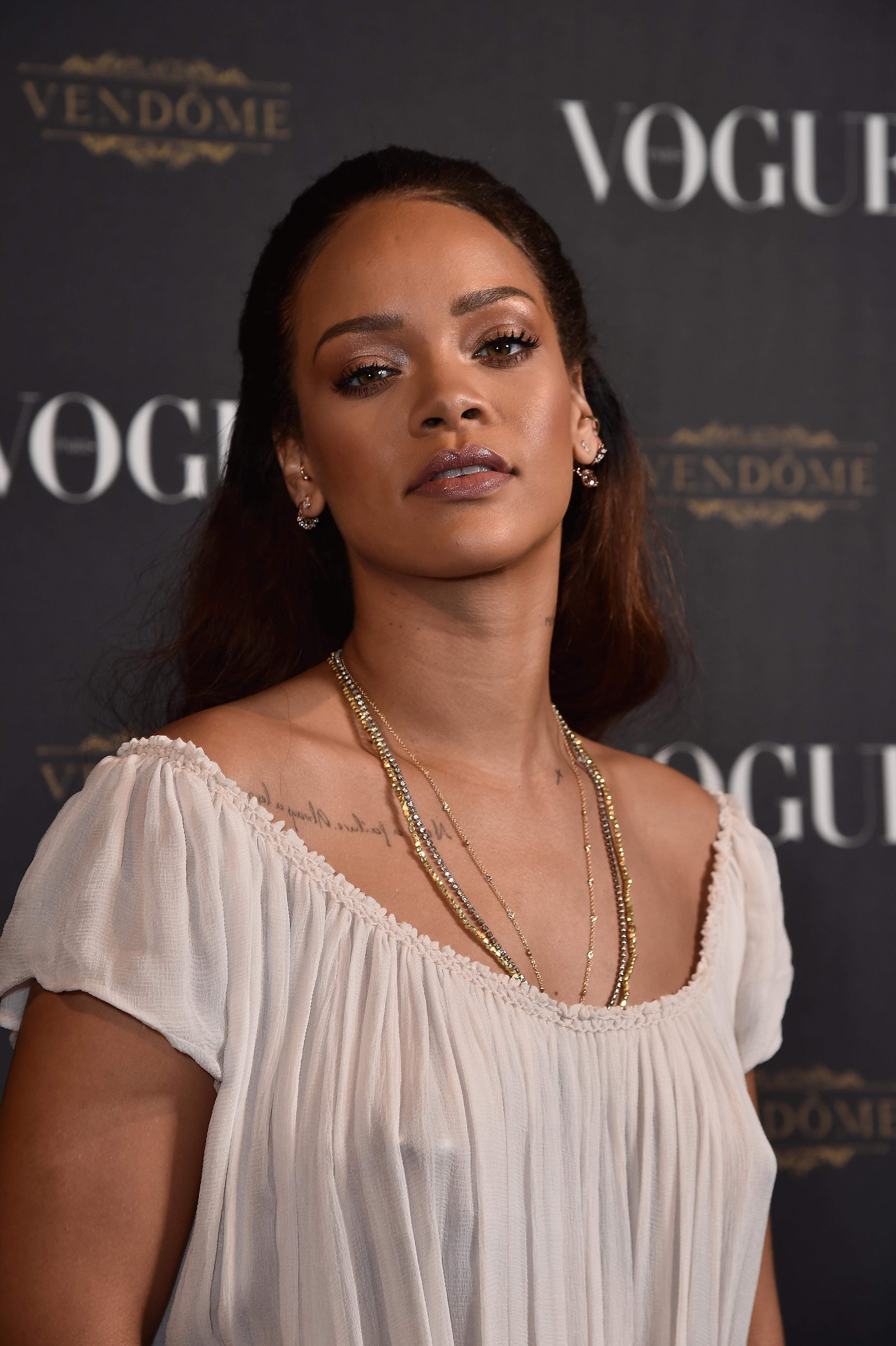 Hot Rihanna Braless naked (66 photos), Sexy, Cleavage, Selfie, bra 2019