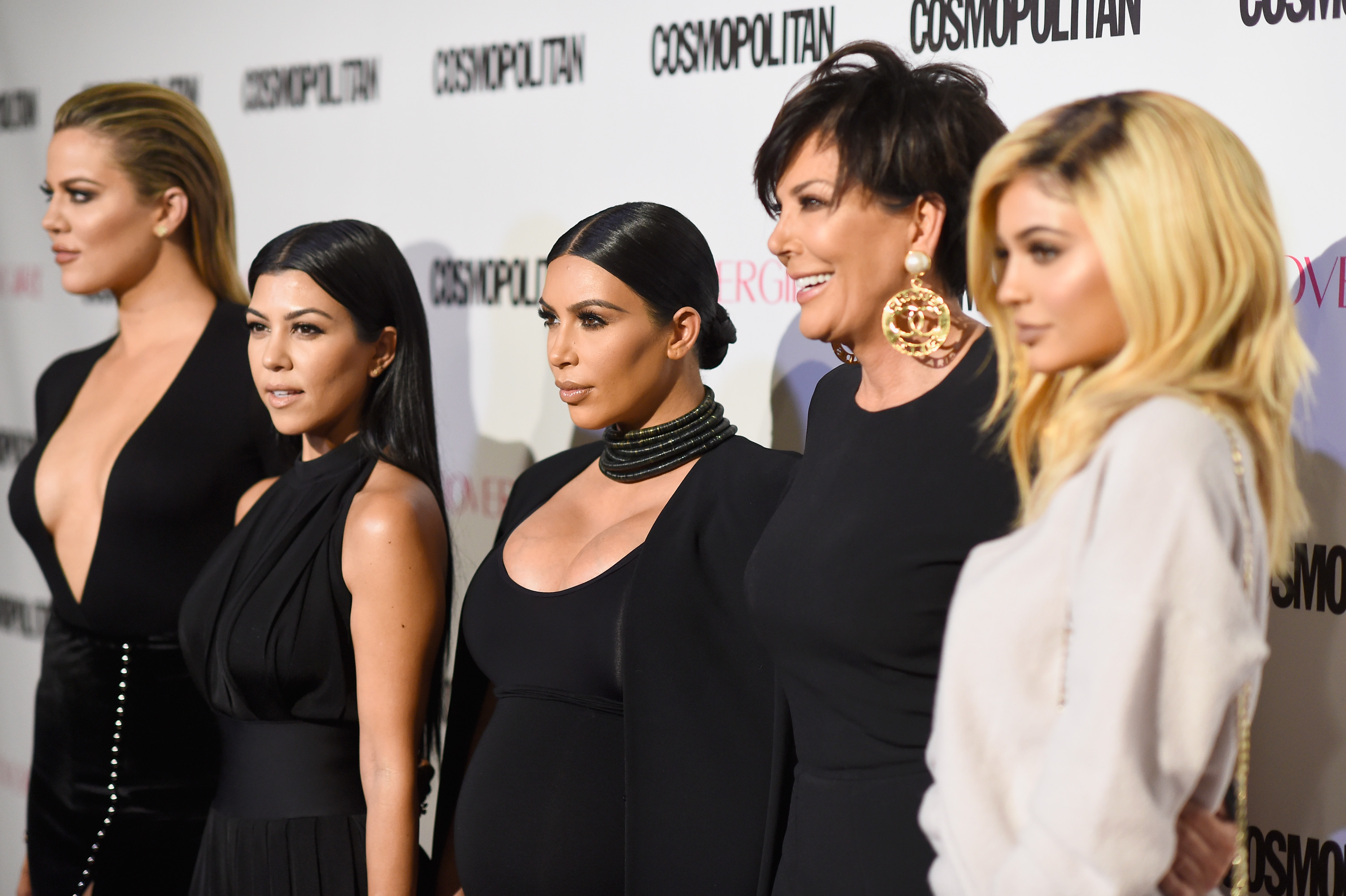 Will There Be A Kardashian Christmas Card This Year? 2016 Owes Us ...