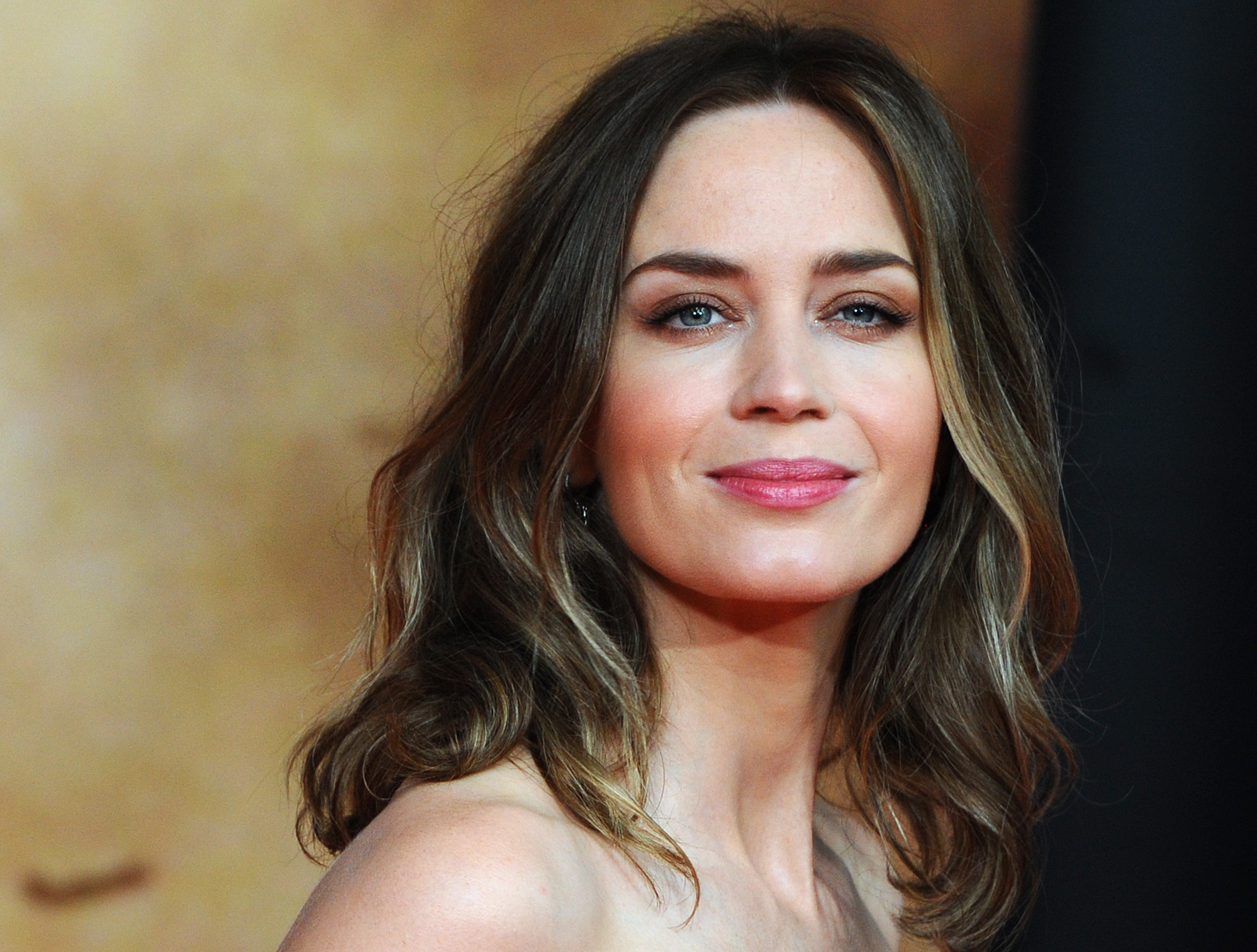 19 Brunette Celebrities Who Dyed Their Hair Blonde Which Look Is