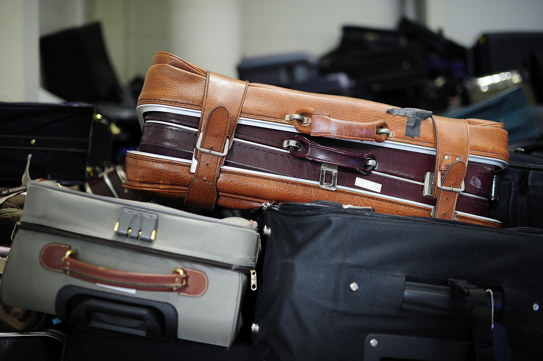 13 Holiday Packing Hacks To Make Traveling Way Easier This Season Travel Bag In 6 1 Organizer Korean An